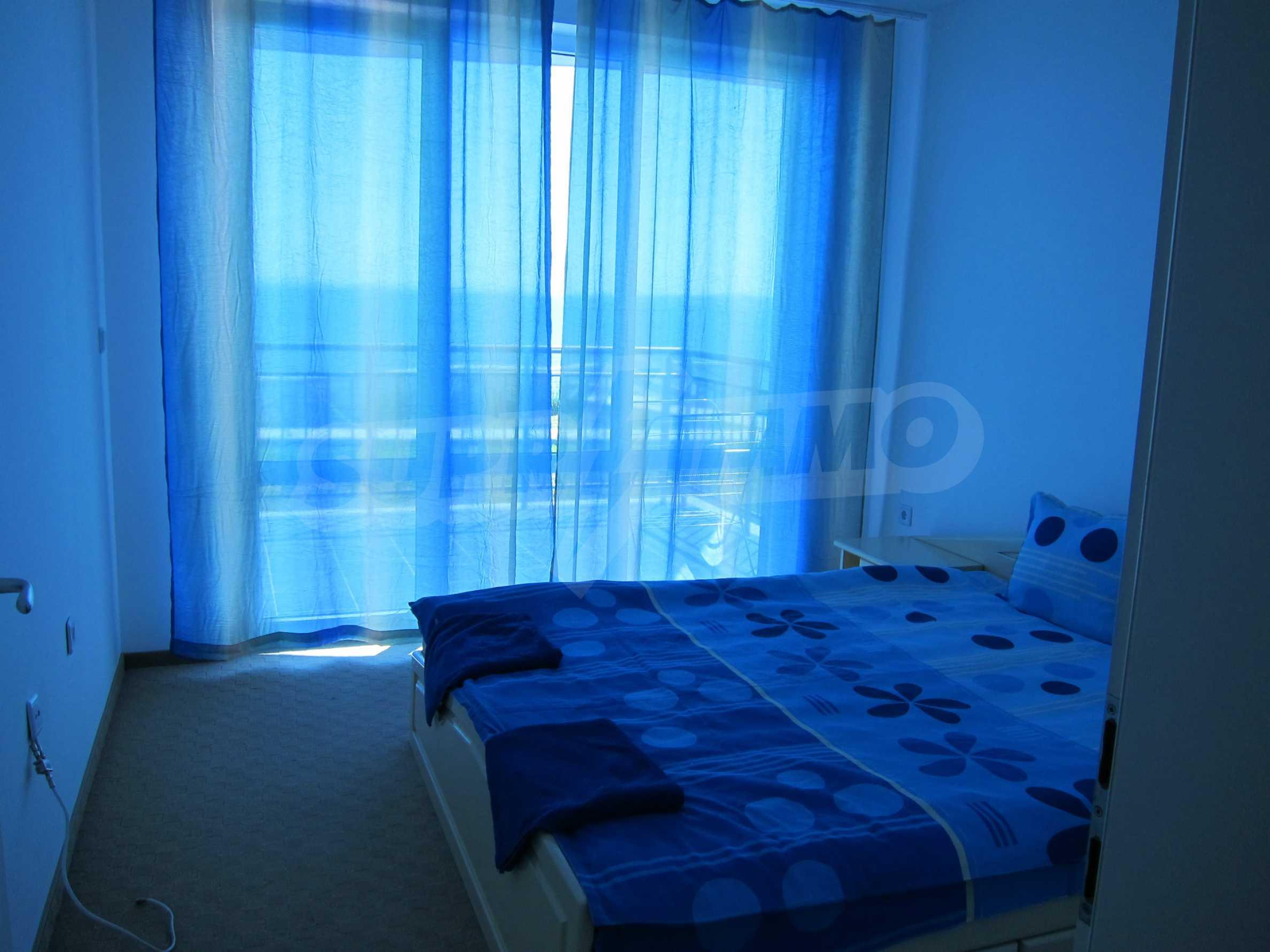 Blue Bay Palace 9