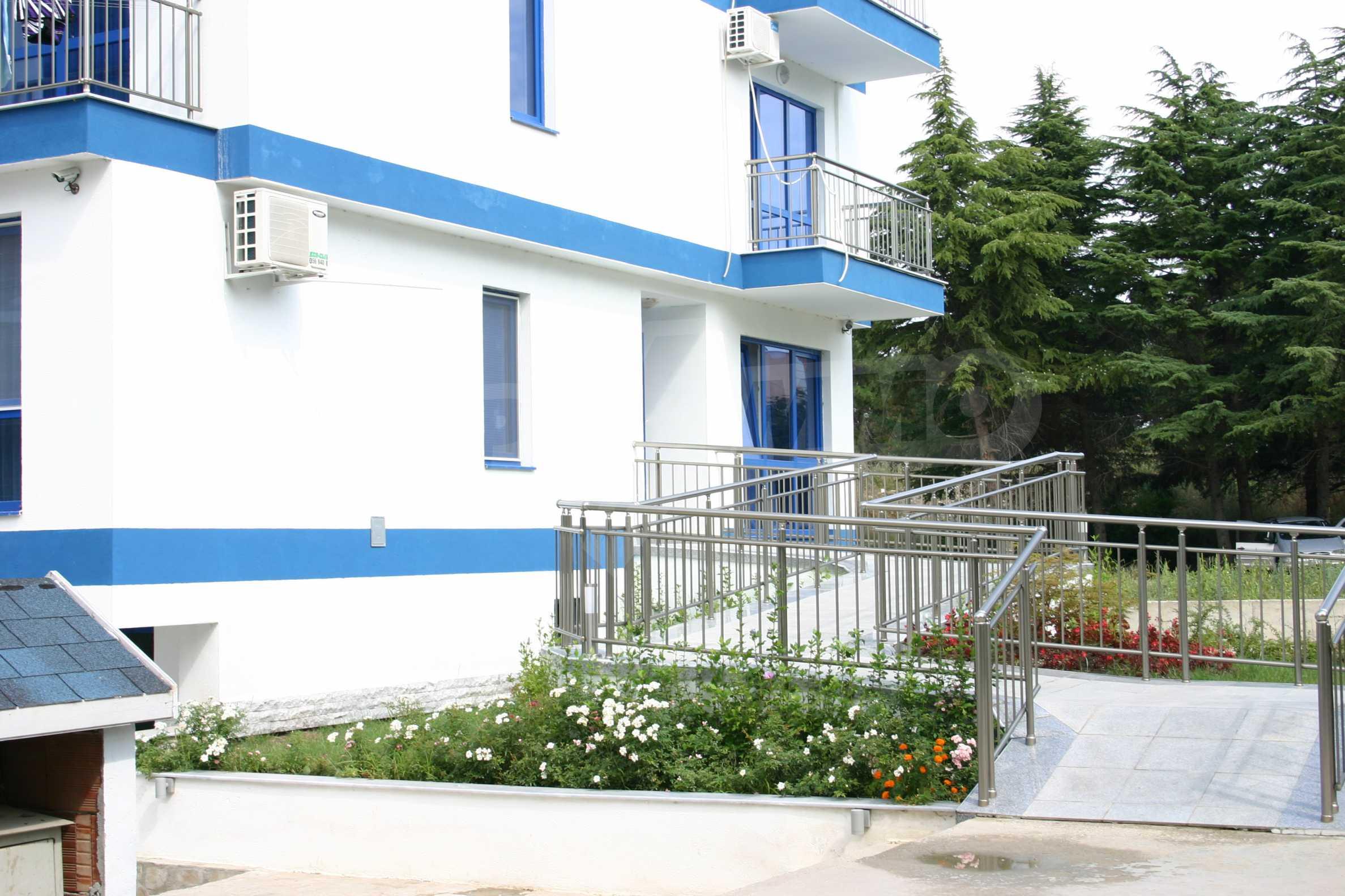 Blue Bay Palace   23