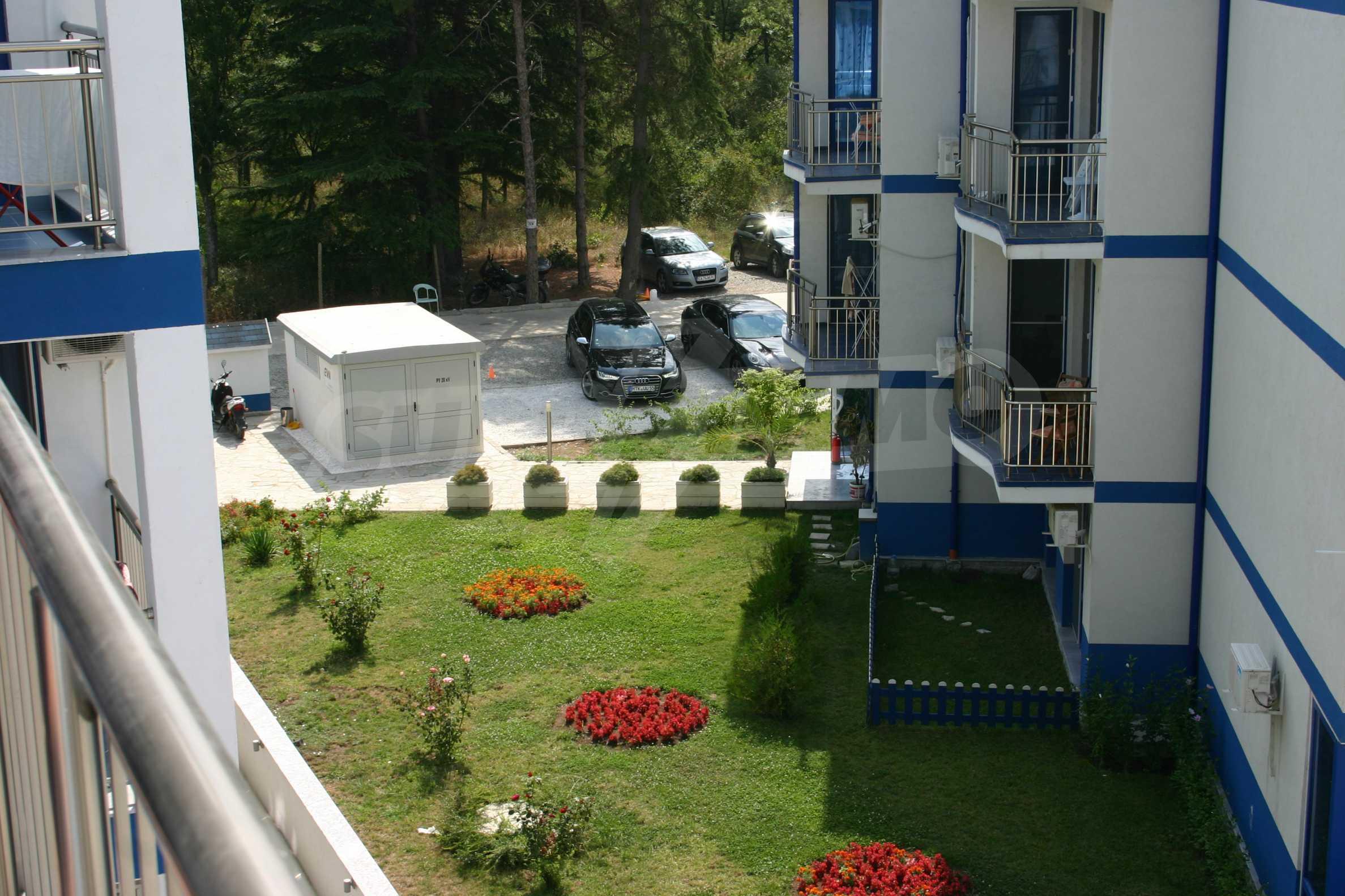 Blue Bay Palace   25