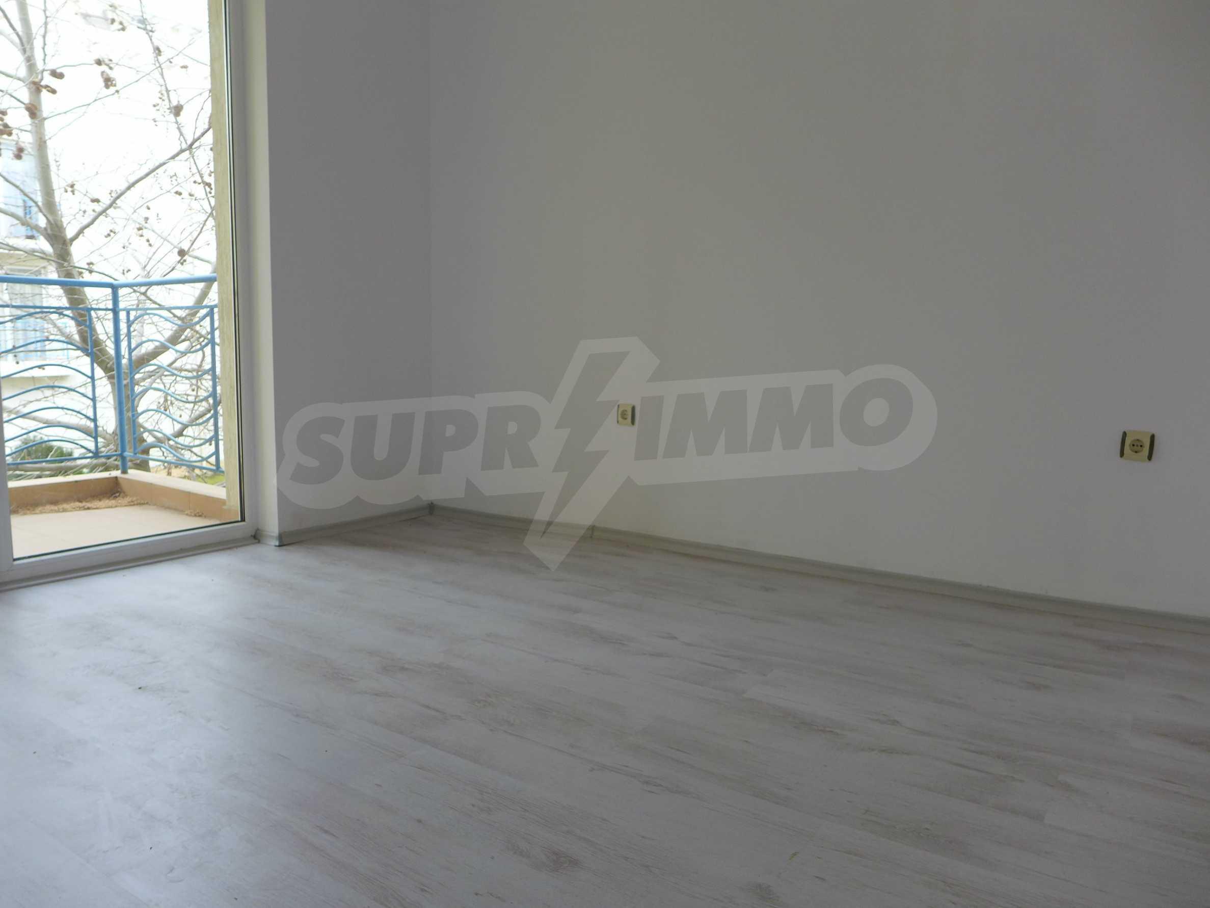 Geräumige Wohnung in einem modernen Komplex Sunny Day 3 3