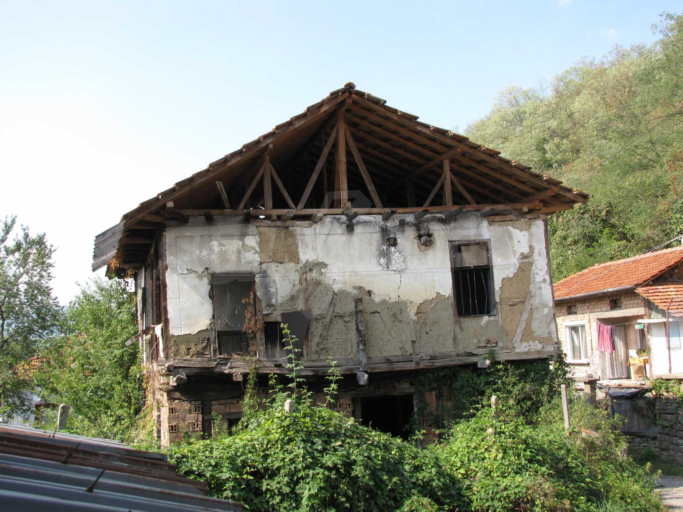Zwei Unterkünfte neben einem Fluss und Mineralquellen, 4 km vom Troyan-Kloster entfernt