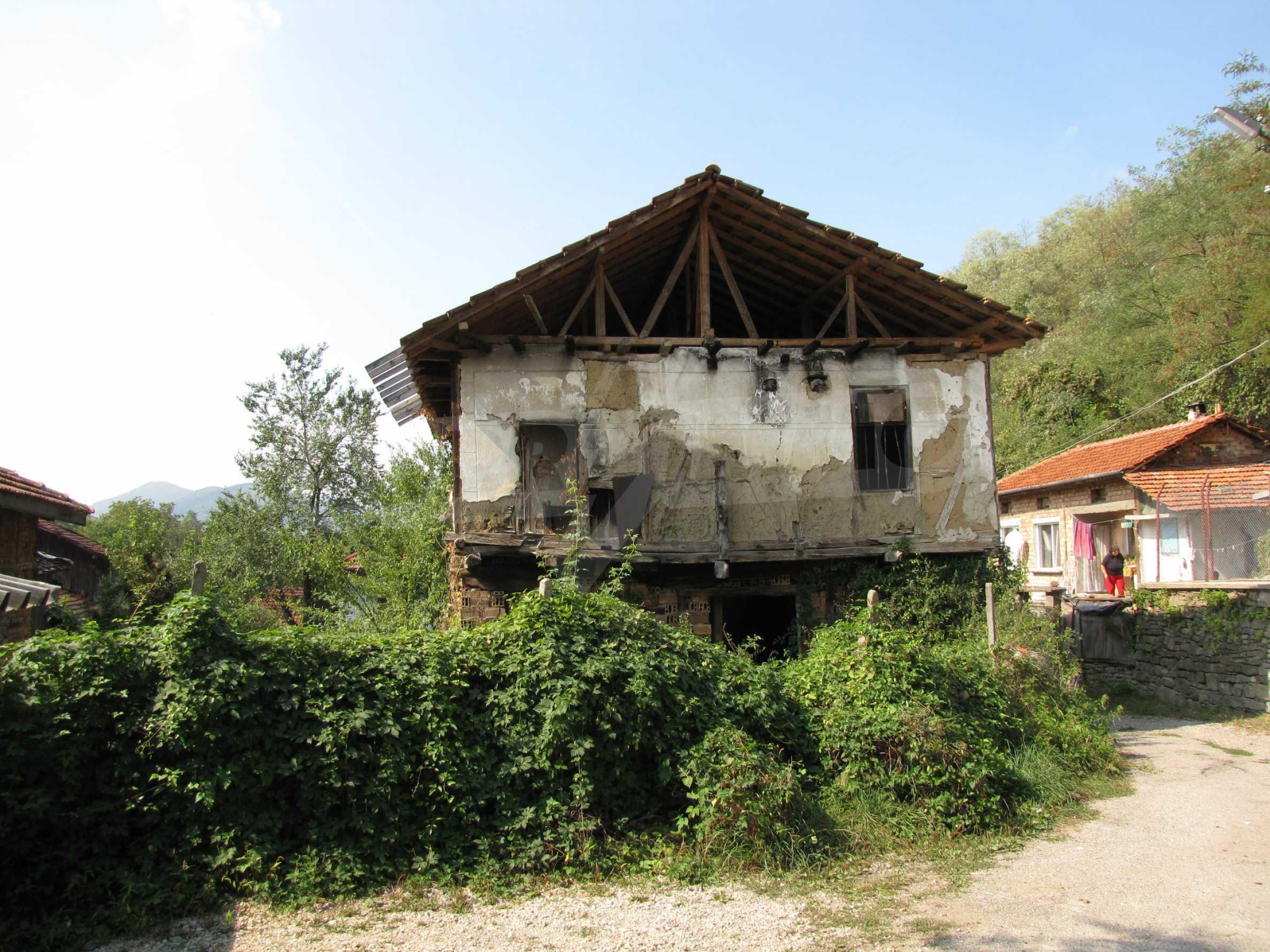 Zwei Unterkünfte neben einem Fluss und Mineralquellen, 4 km vom Troyan-Kloster entfernt 1