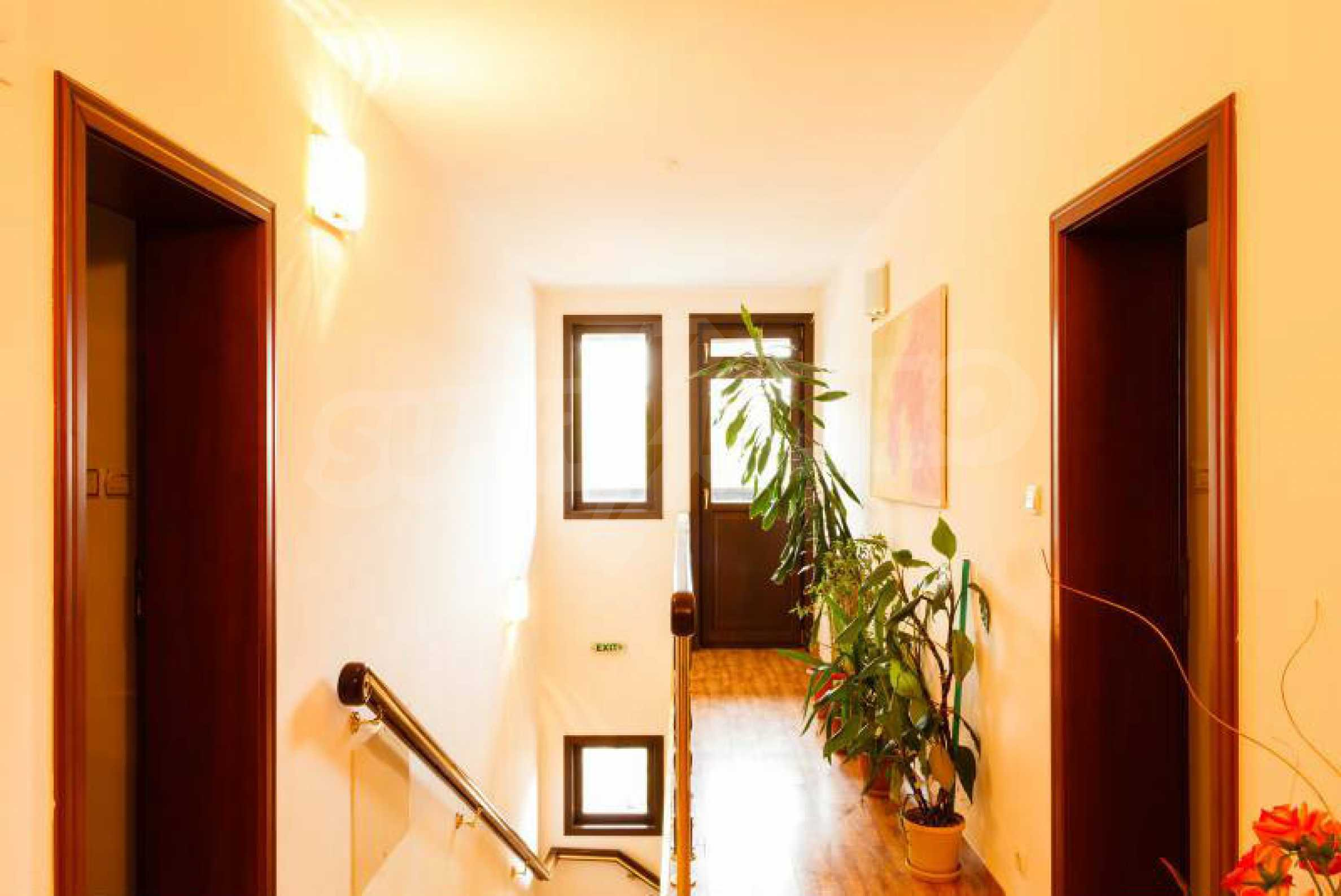 Fully equipped hotel, a restaurant, a house and a yard in the center of popular Arbanassi village 11