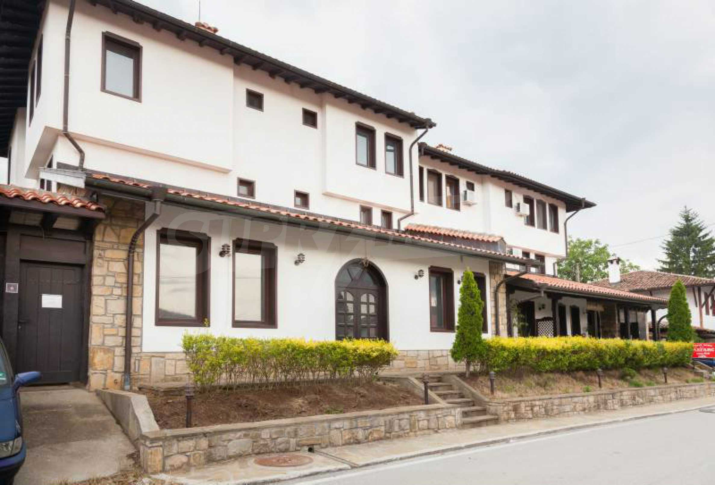 Fully equipped hotel, a restaurant, a house and a yard in the center of popular Arbanassi village 1