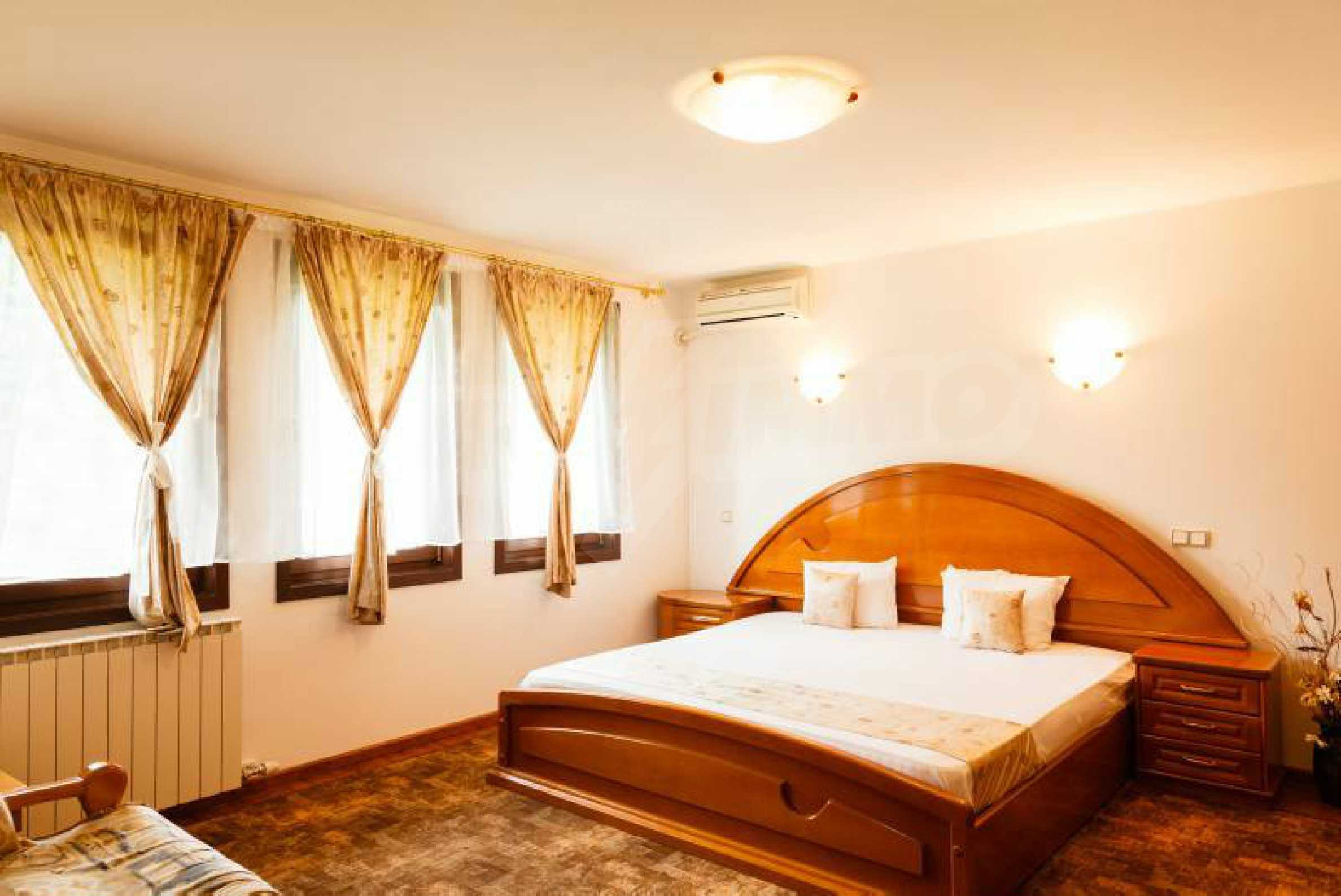 Fully equipped hotel, a restaurant, a house and a yard in the center of popular Arbanassi village 36