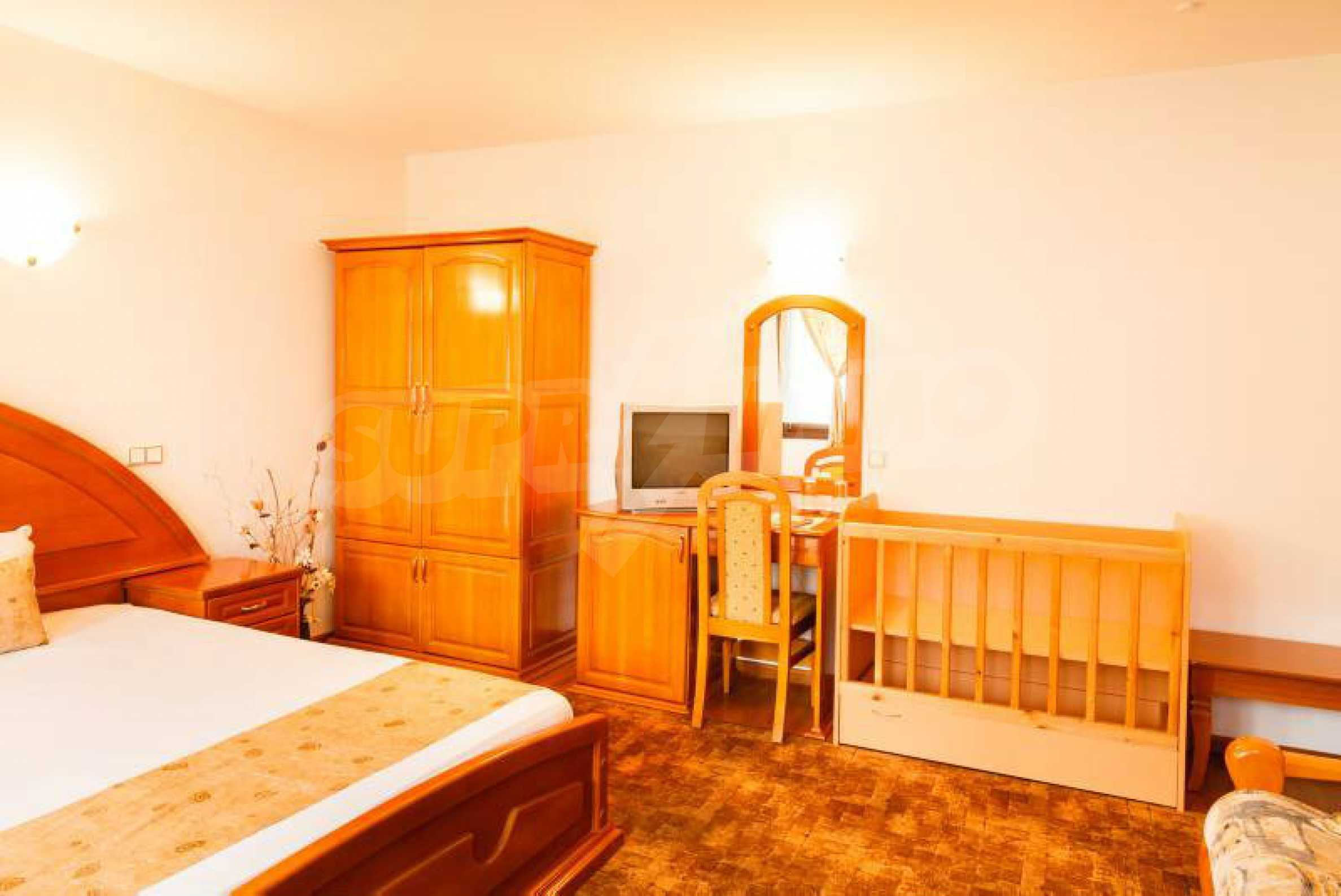 Fully equipped hotel, a restaurant, a house and a yard in the center of popular Arbanassi village 37