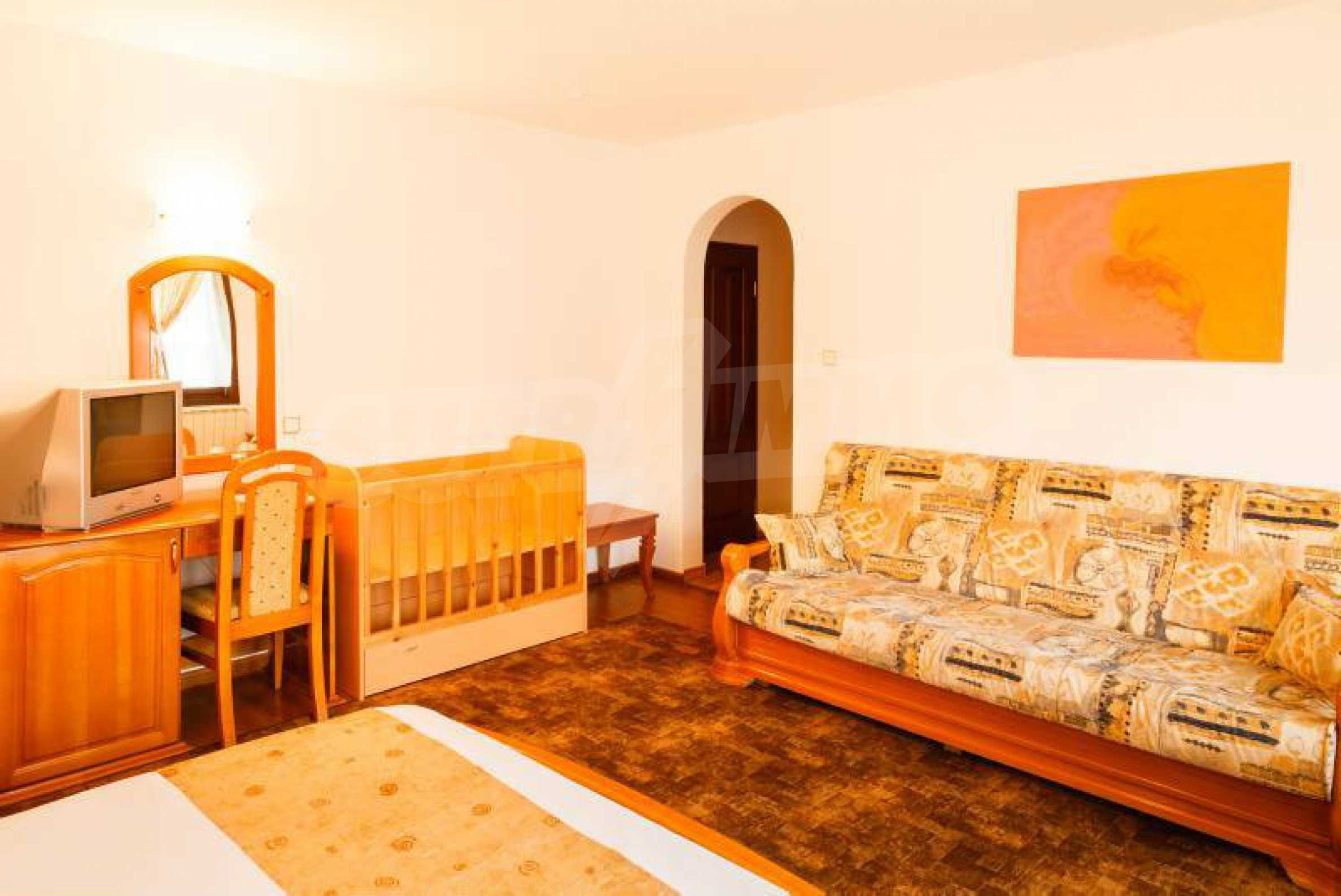 Fully equipped hotel, a restaurant, a house and a yard in the center of popular Arbanassi village 38