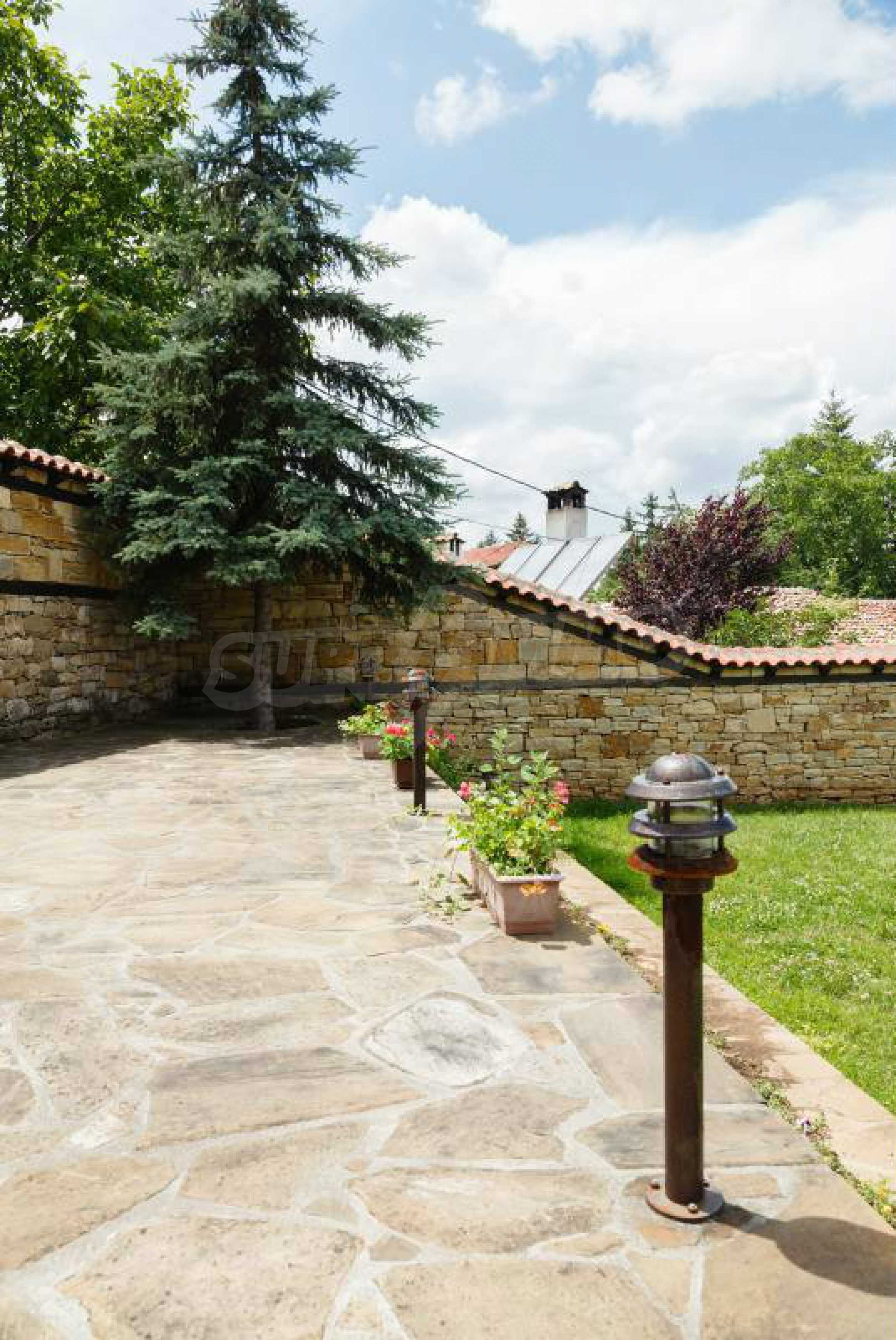 Fully equipped hotel, a restaurant, a house and a yard in the center of popular Arbanassi village 7