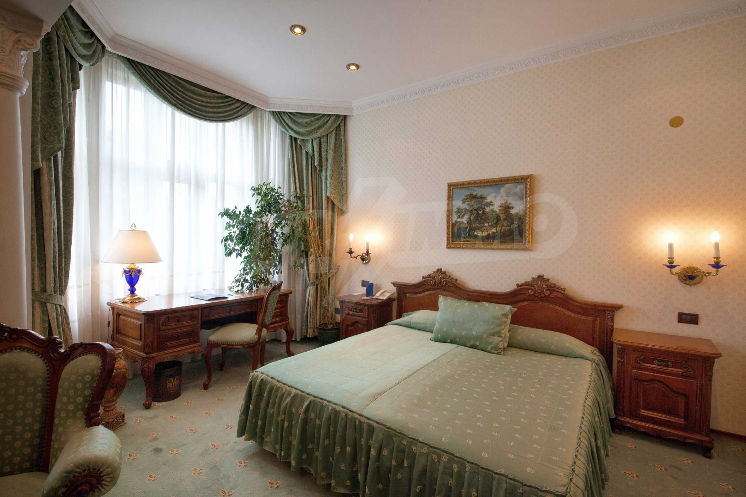 Luxurous 5* hotel  9