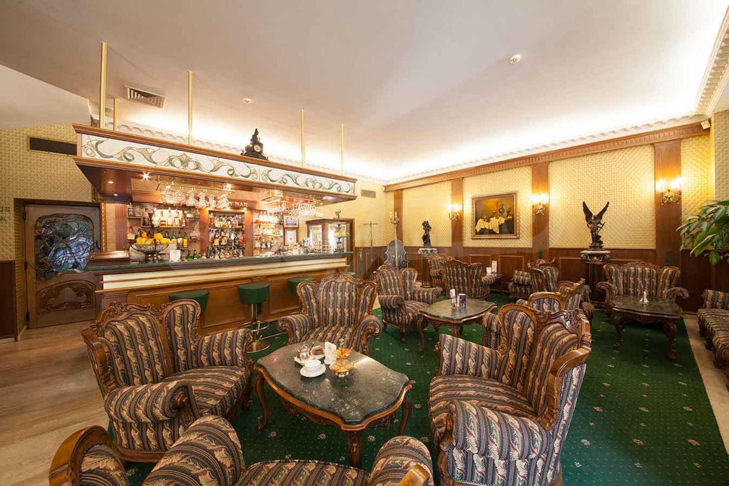 Luxurous 5* hotel  13