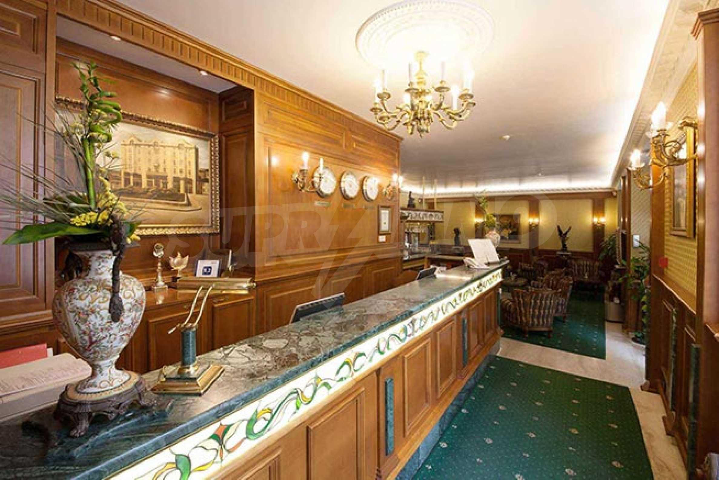 Luxurous 5* hotel  14