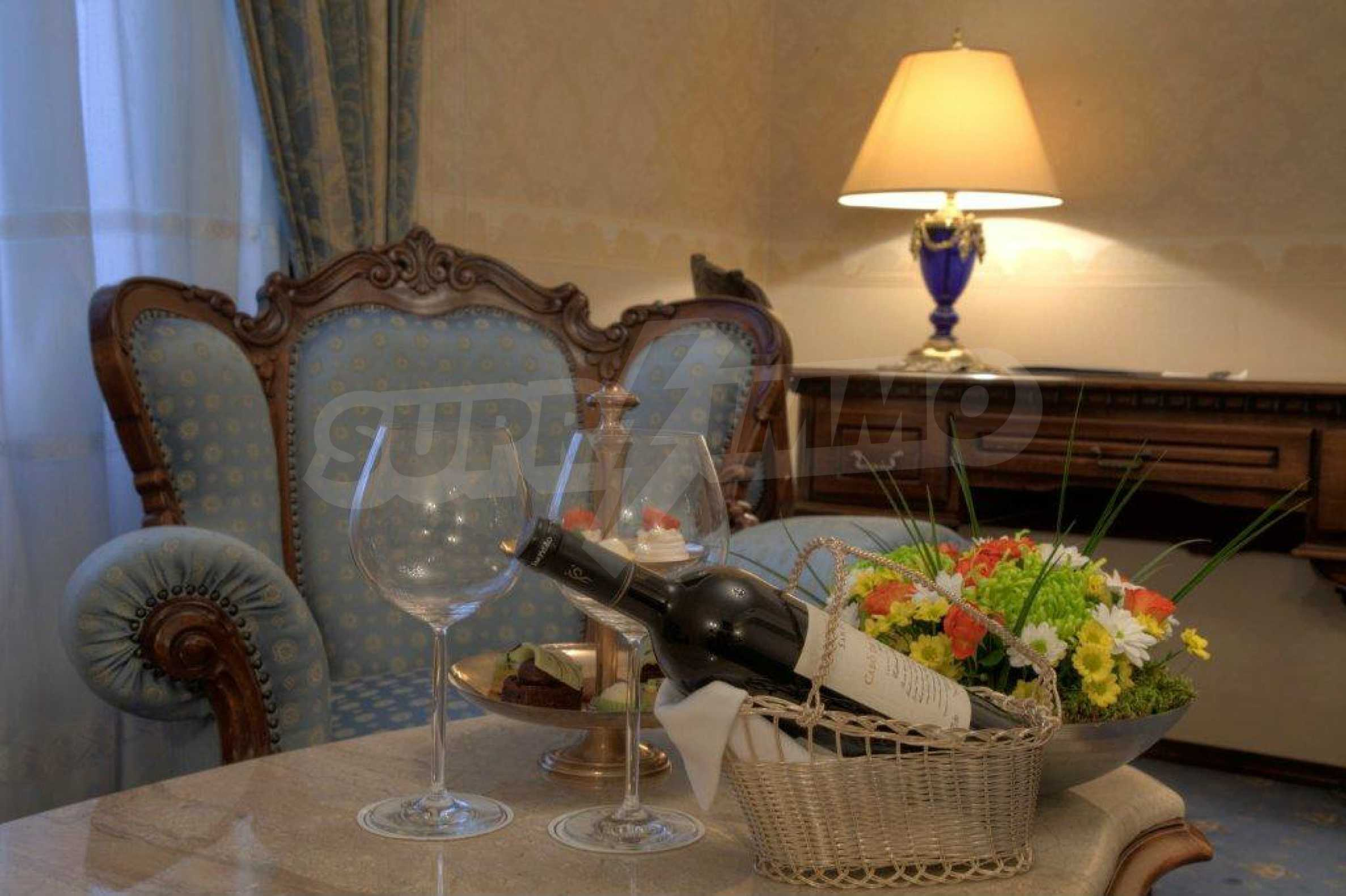 Luxurous 5* hotel  25