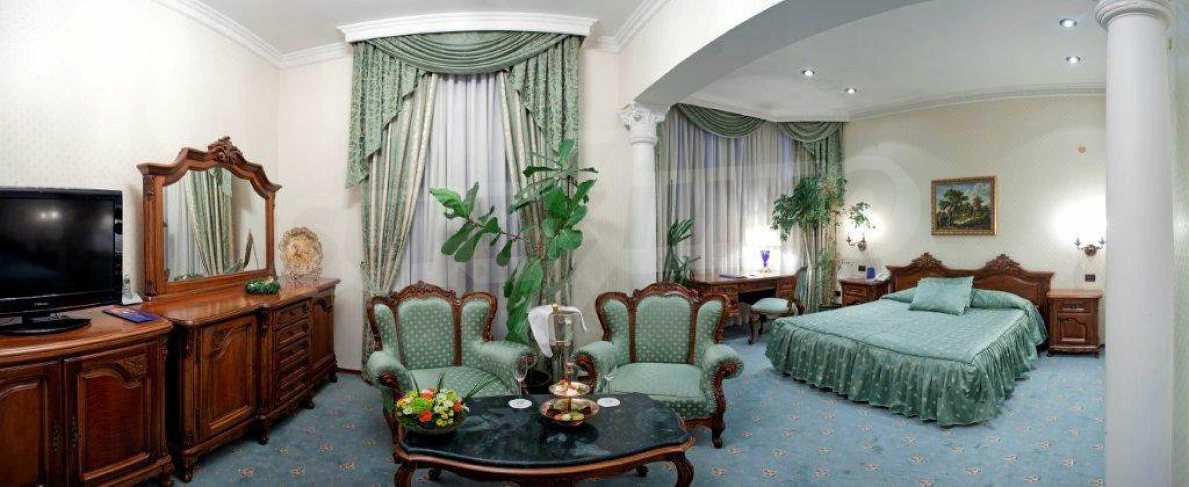 Luxurous 5* hotel  27