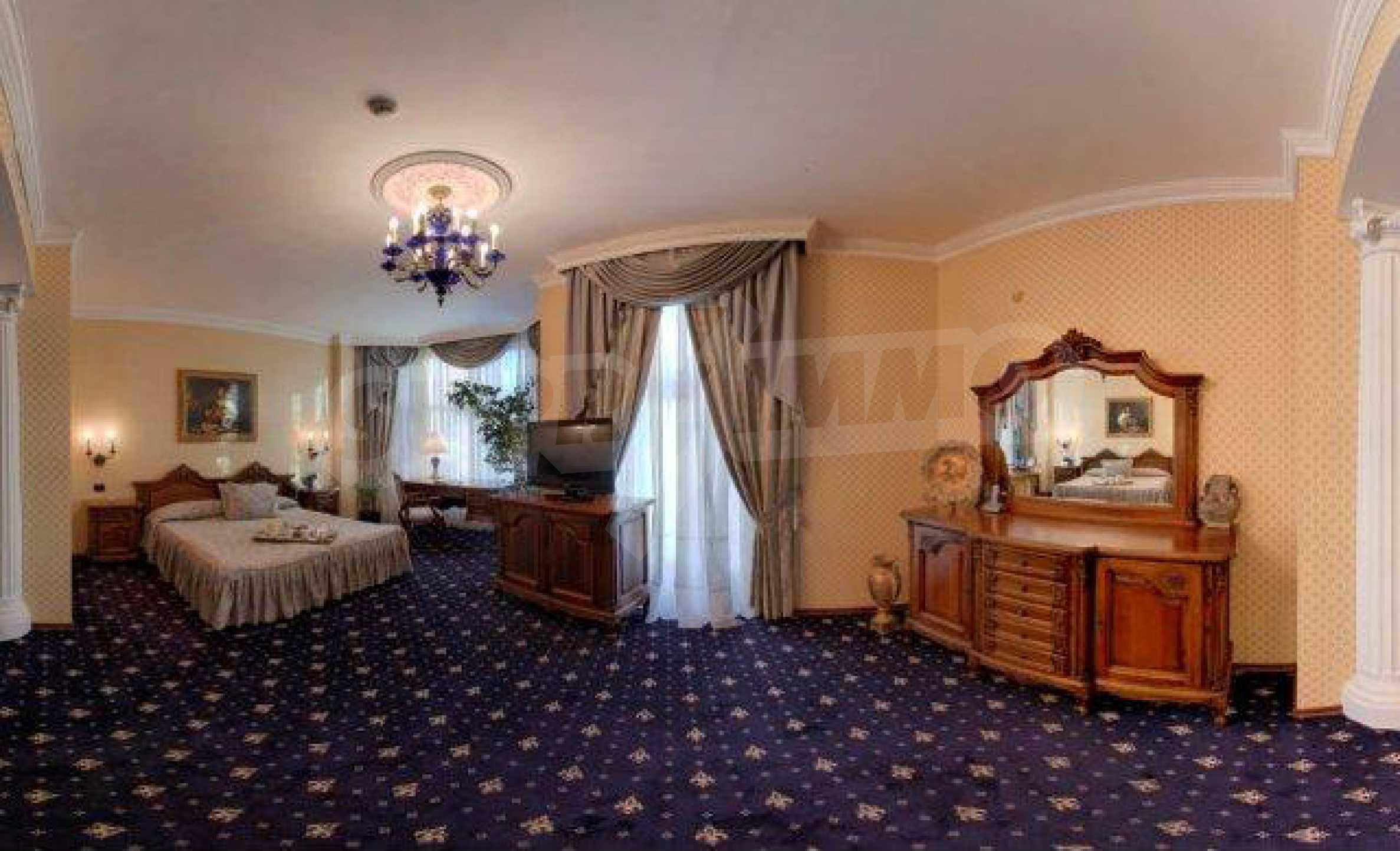 Luxurous 5* hotel  31