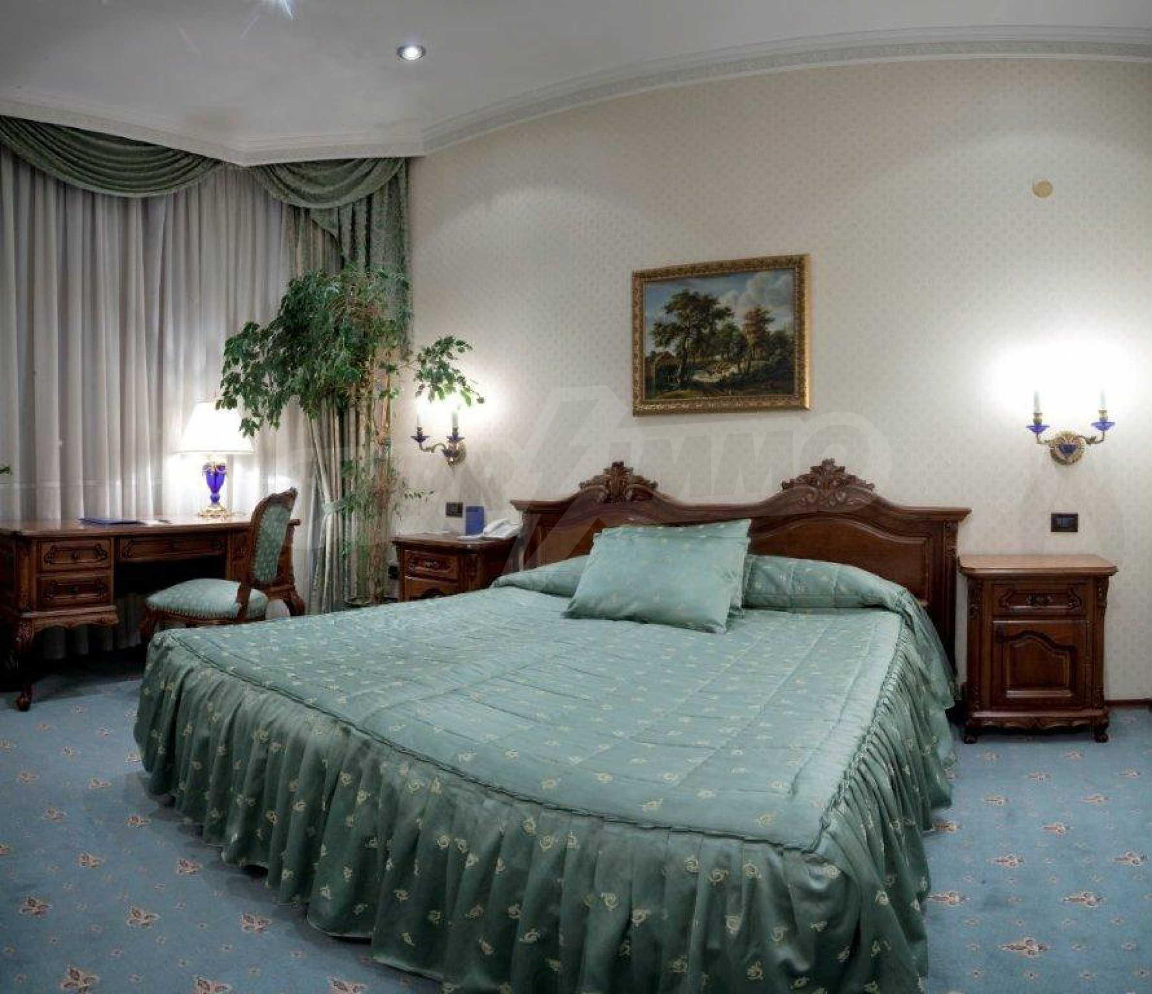 Luxurous 5* hotel  32