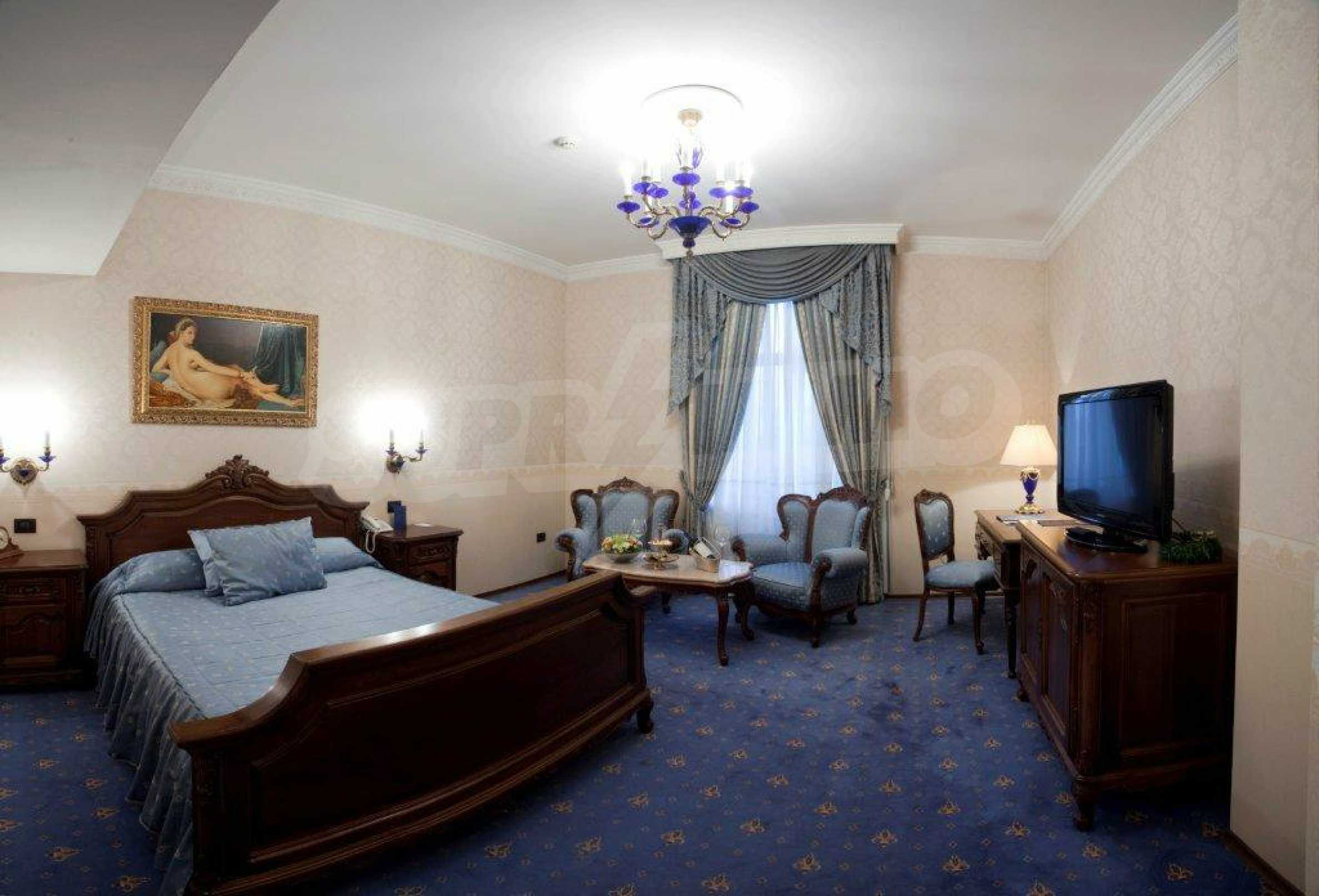 Luxurous 5* hotel  34