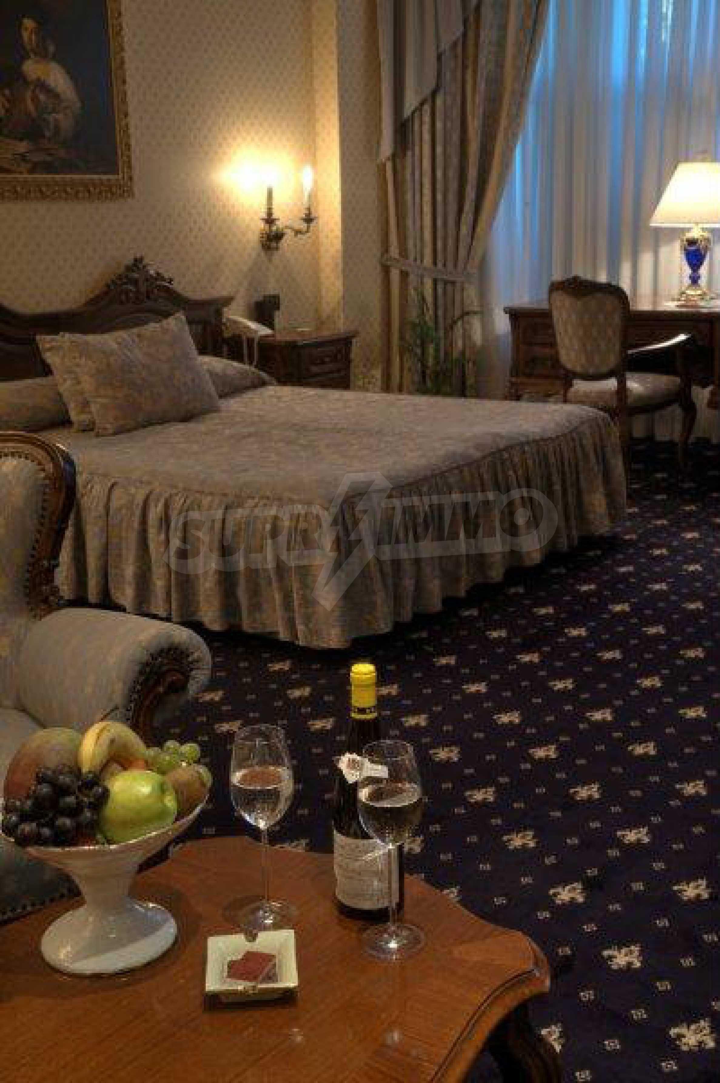 Luxurous 5* hotel  44