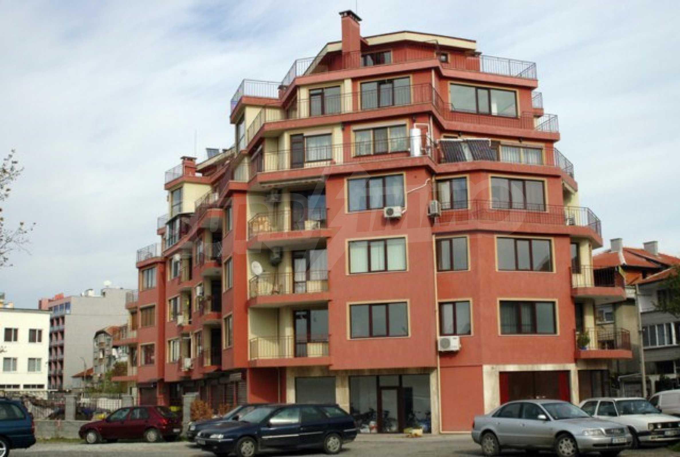 Апартамент с три спални за продажба в Поморие