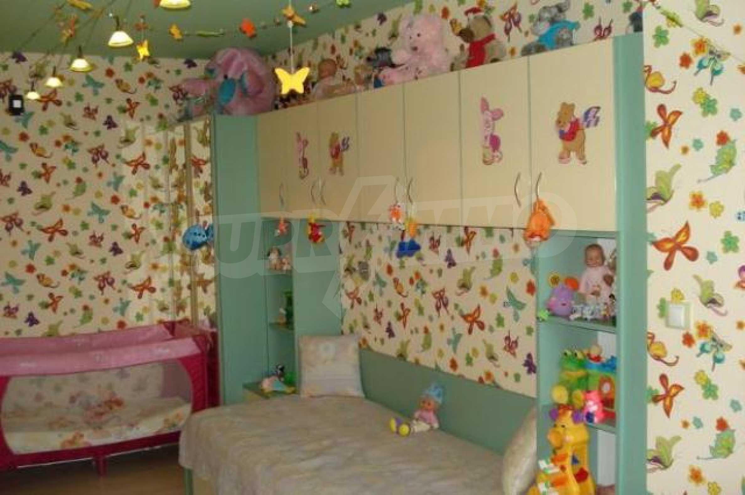 Апартамент с три спални за продажба в Поморие 9
