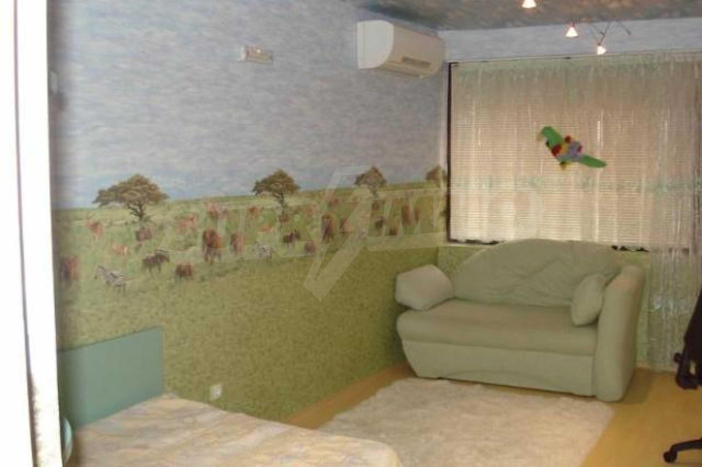 Апартамент с три спални за продажба в Поморие 12