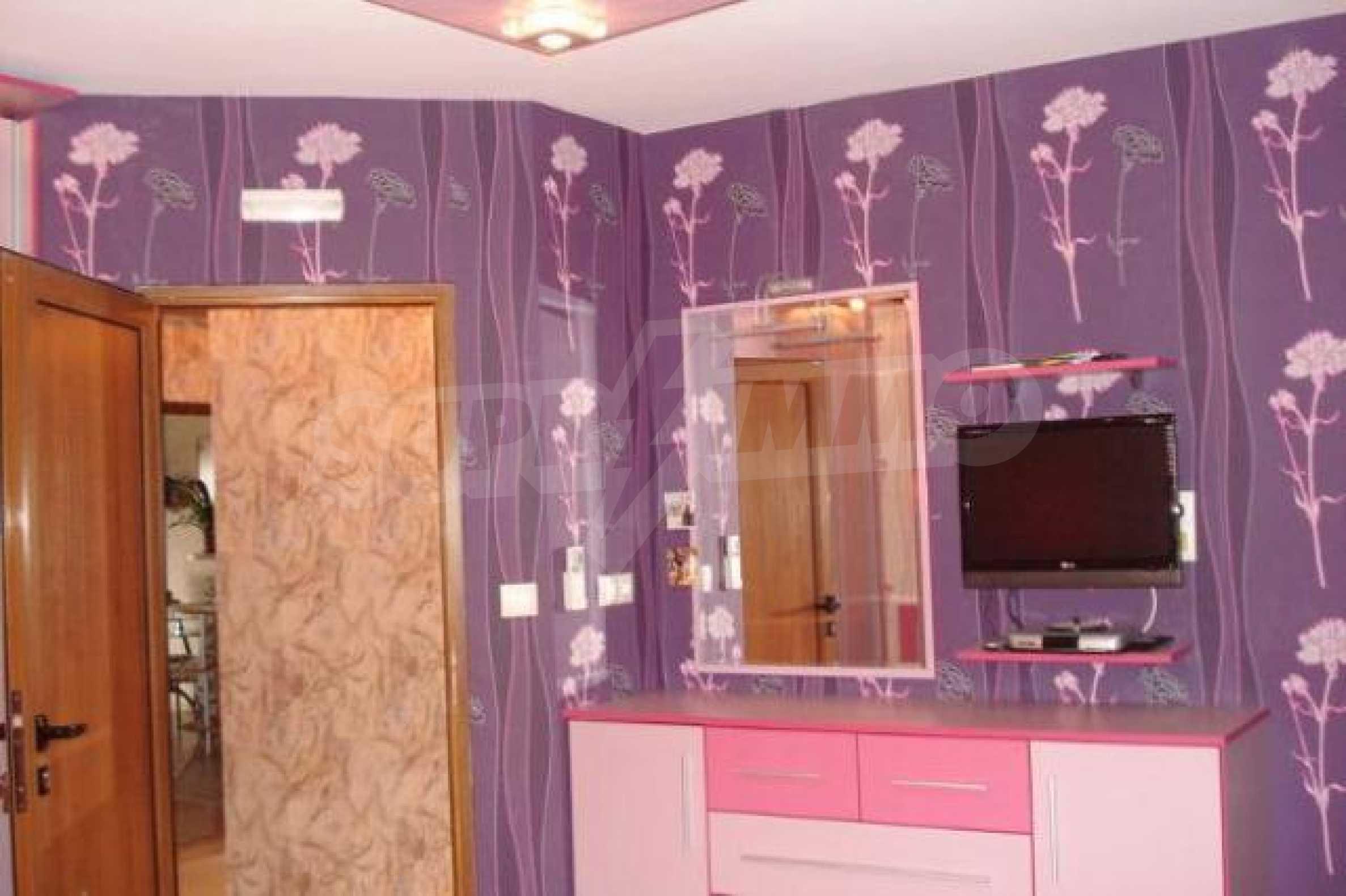 Апартамент с три спални за продажба в Поморие 14