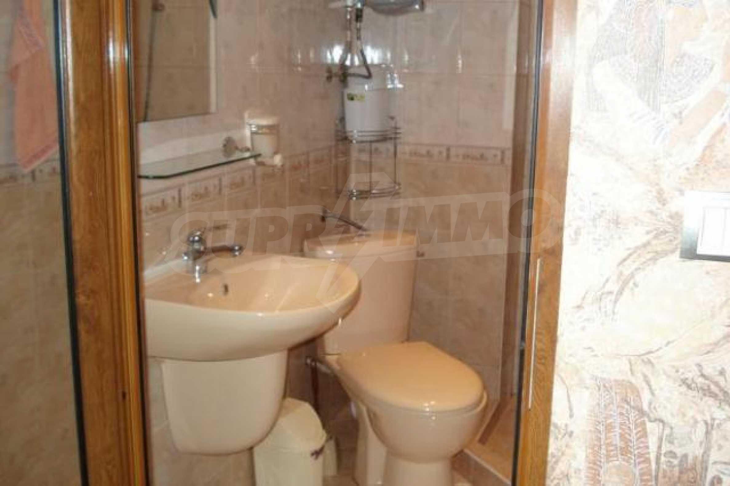 Апартамент с три спални за продажба в Поморие 16