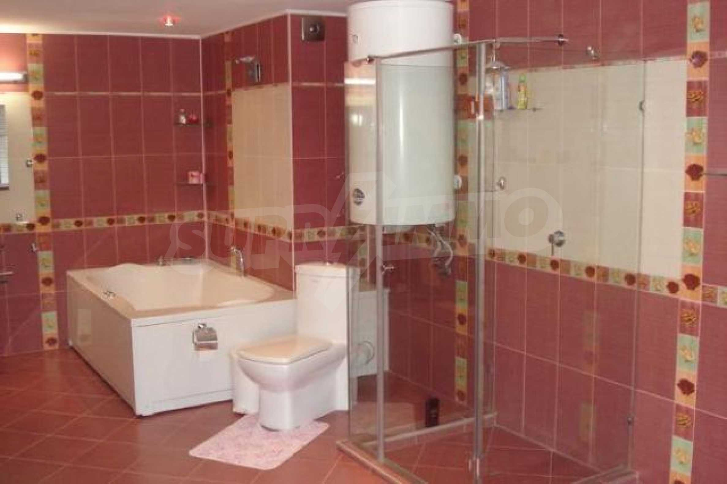 Апартамент с три спални за продажба в Поморие 18