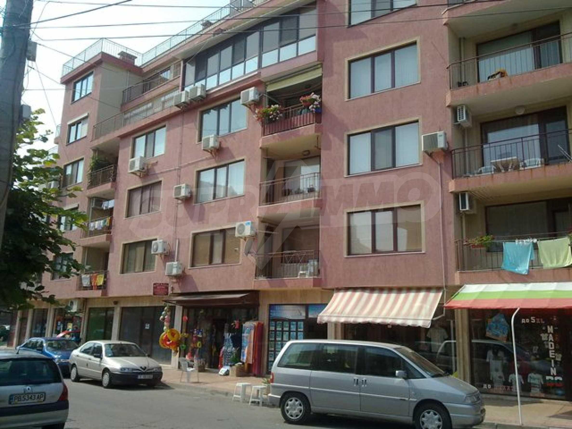 Апартамент с три спални за продажба в Поморие 1