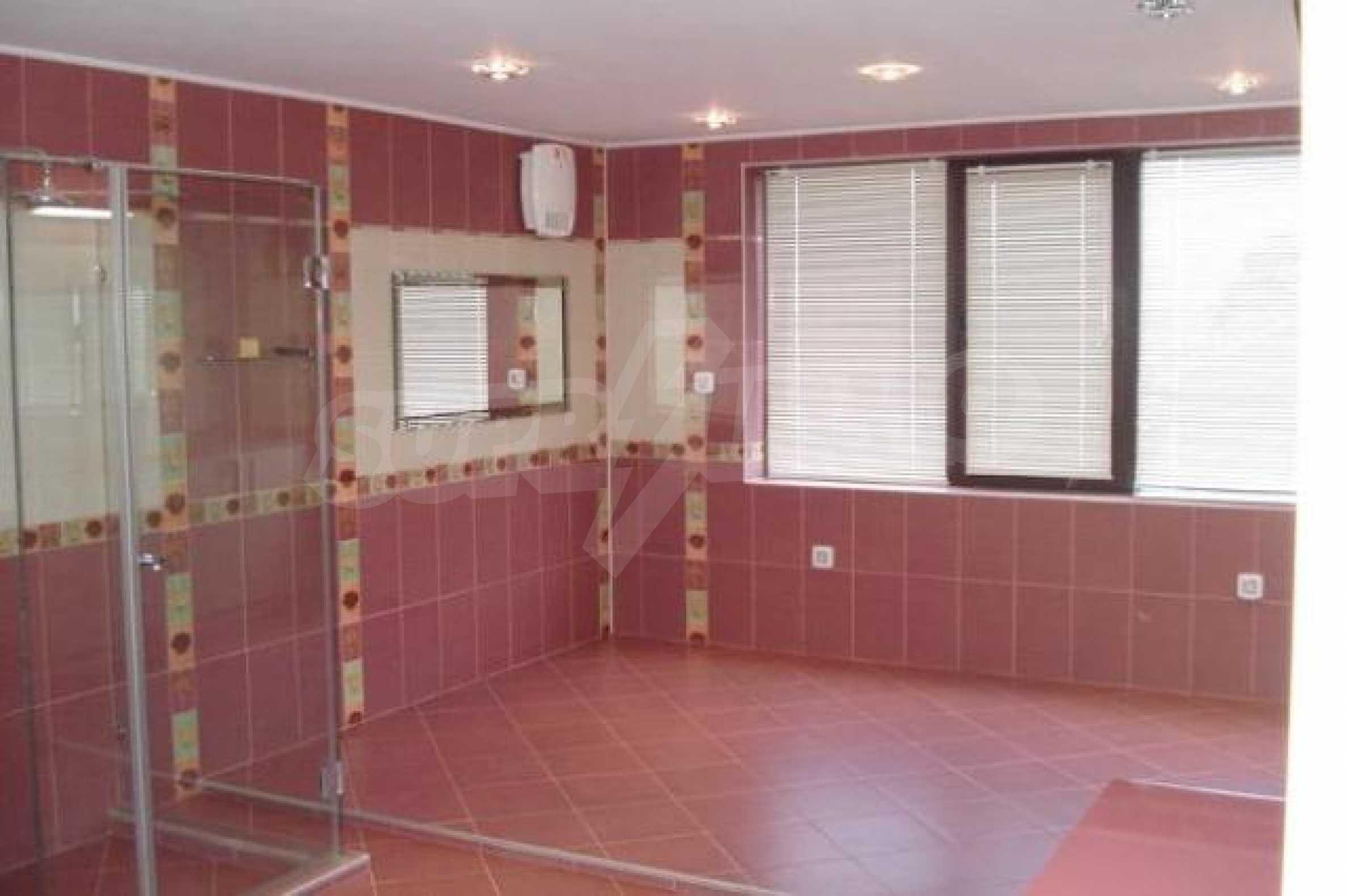 Апартамент с три спални за продажба в Поморие 19