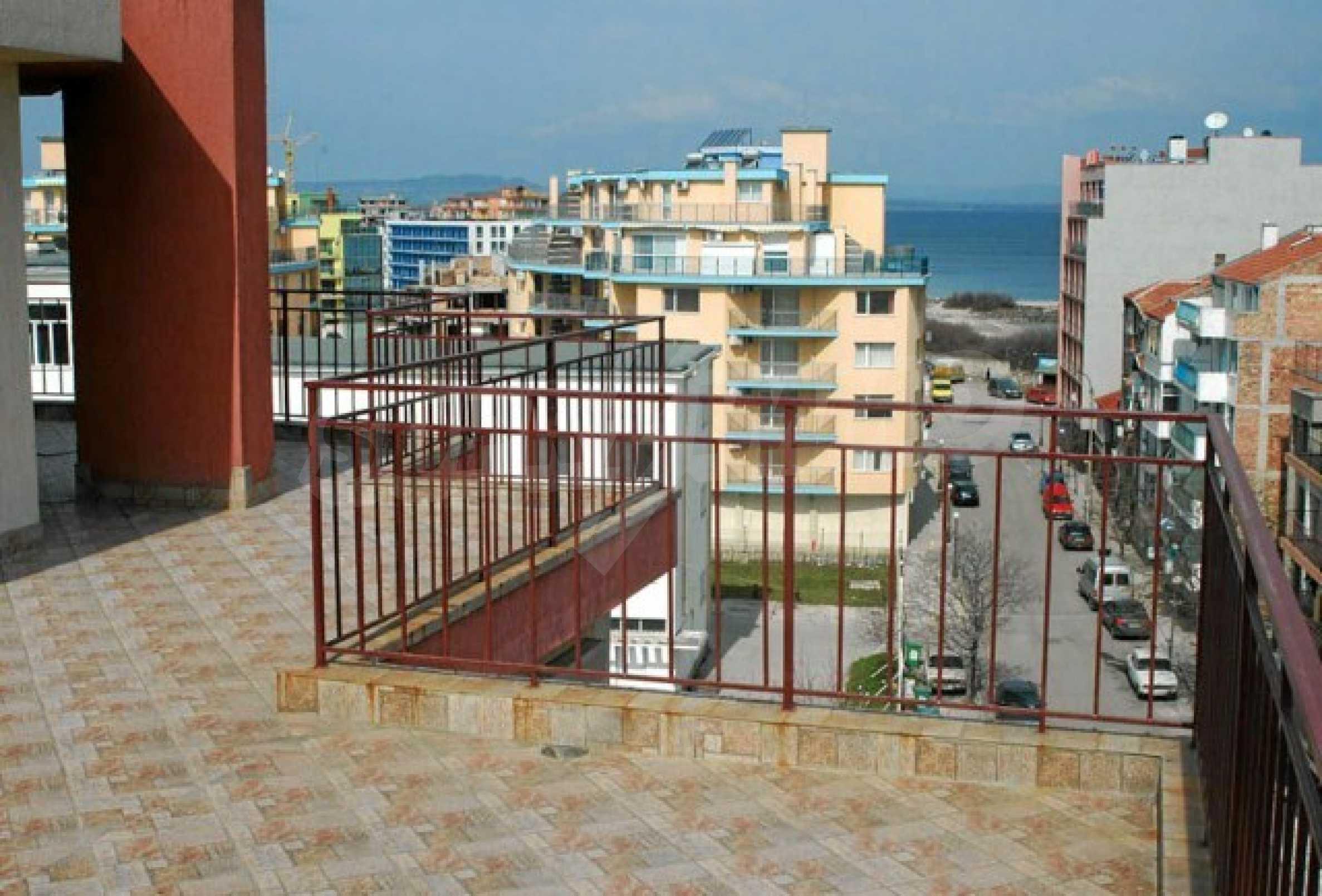 Апартамент с три спални за продажба в Поморие 23