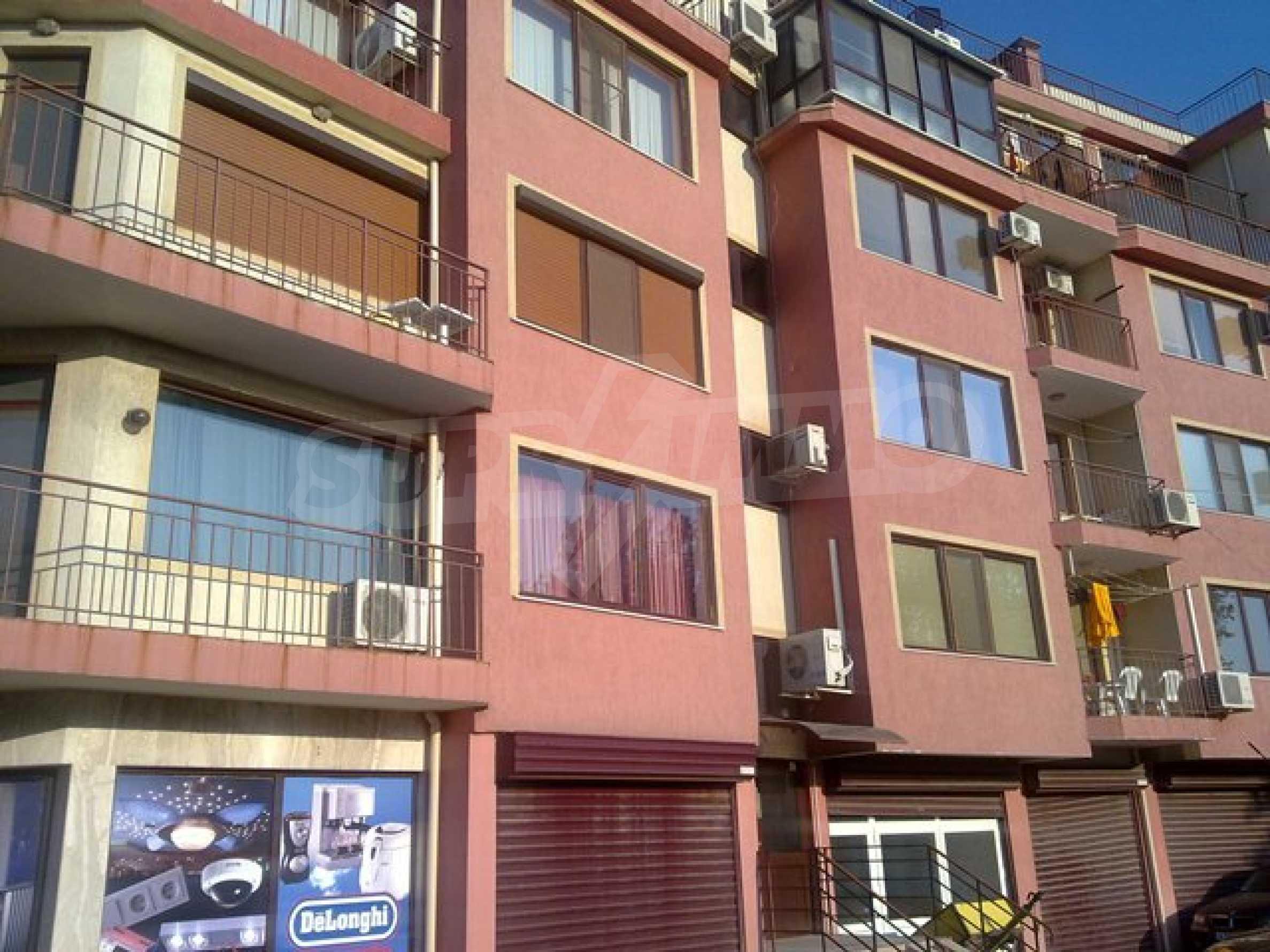 Апартамент с три спални за продажба в Поморие 2