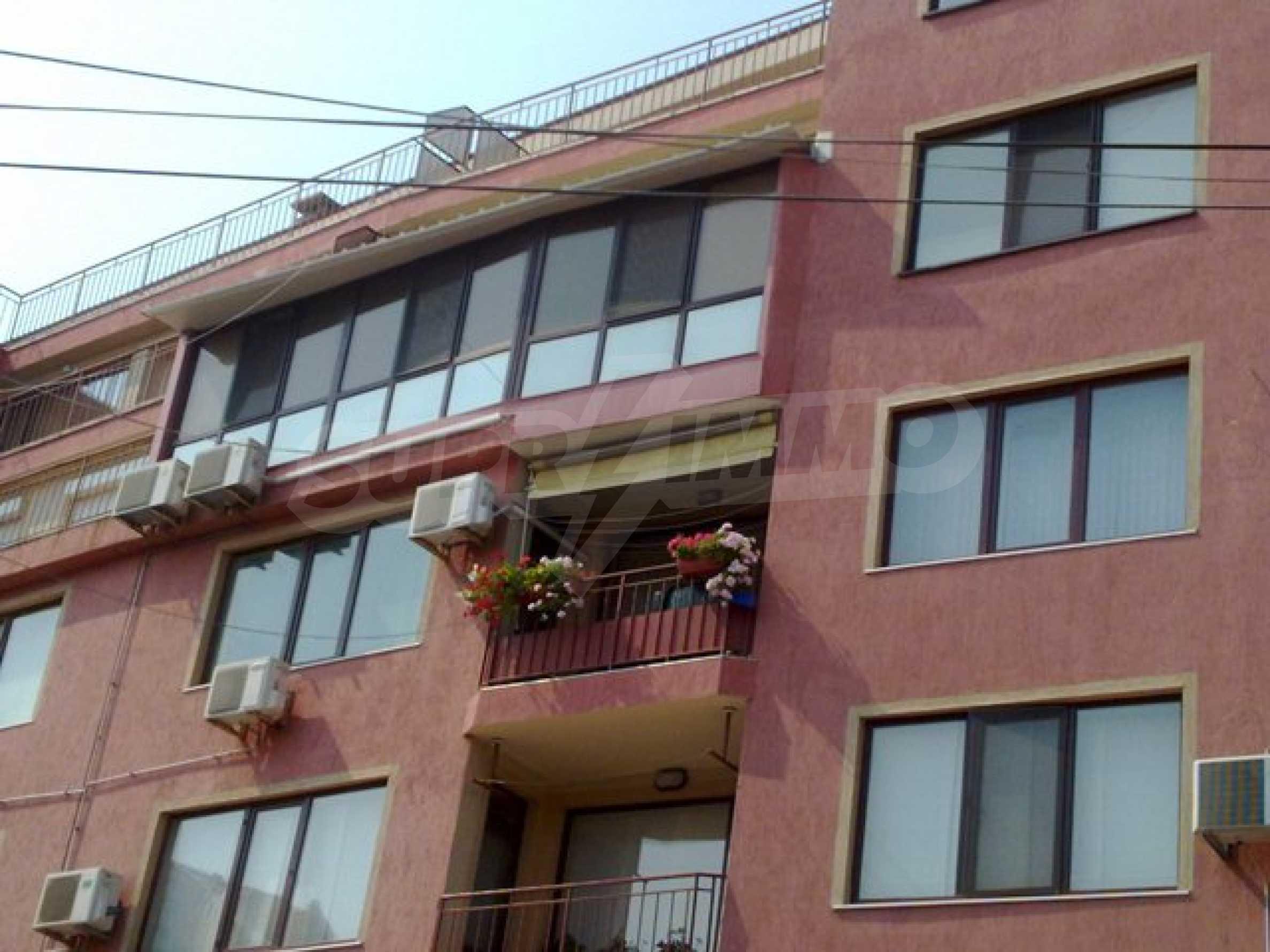 Апартамент с три спални за продажба в Поморие 4