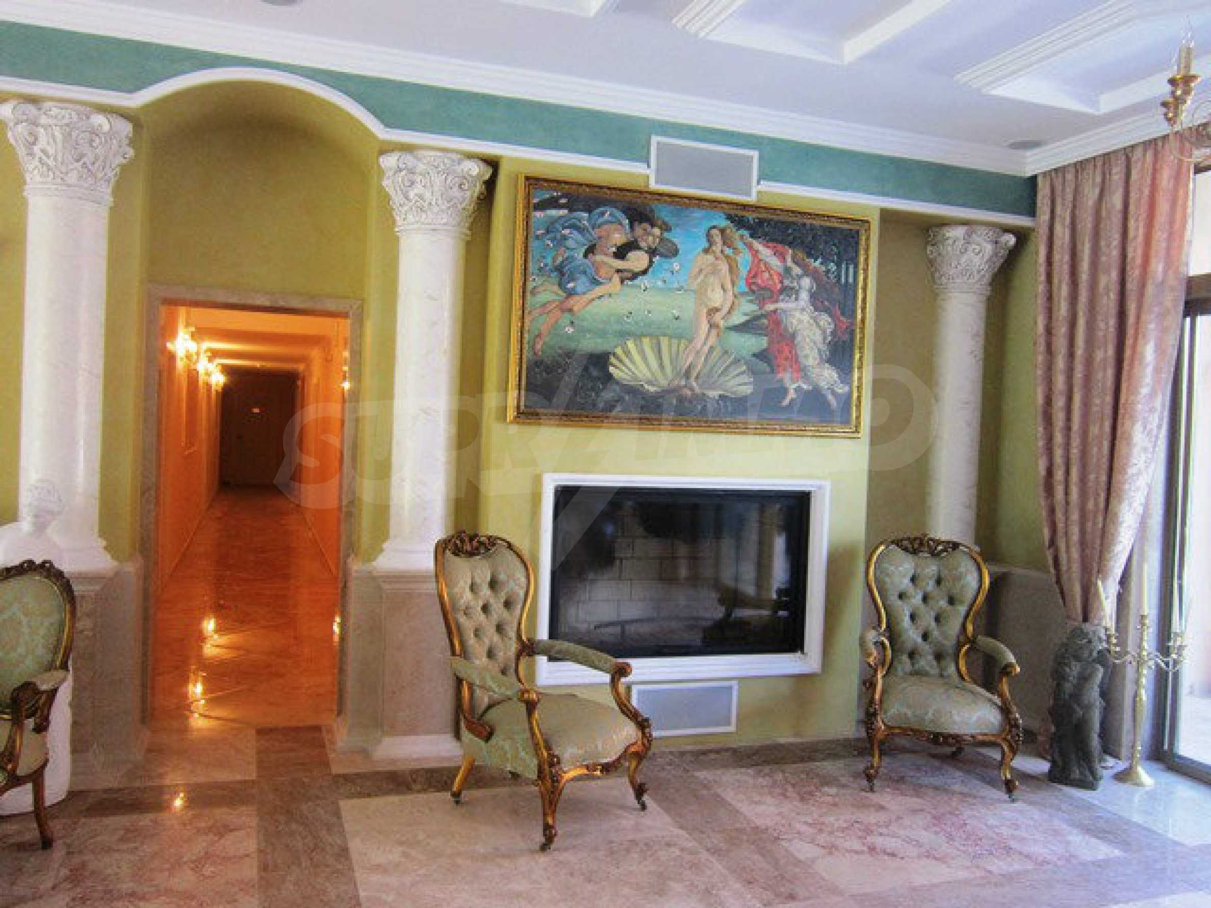 Dawn Park Königlicher Venera Palast 30