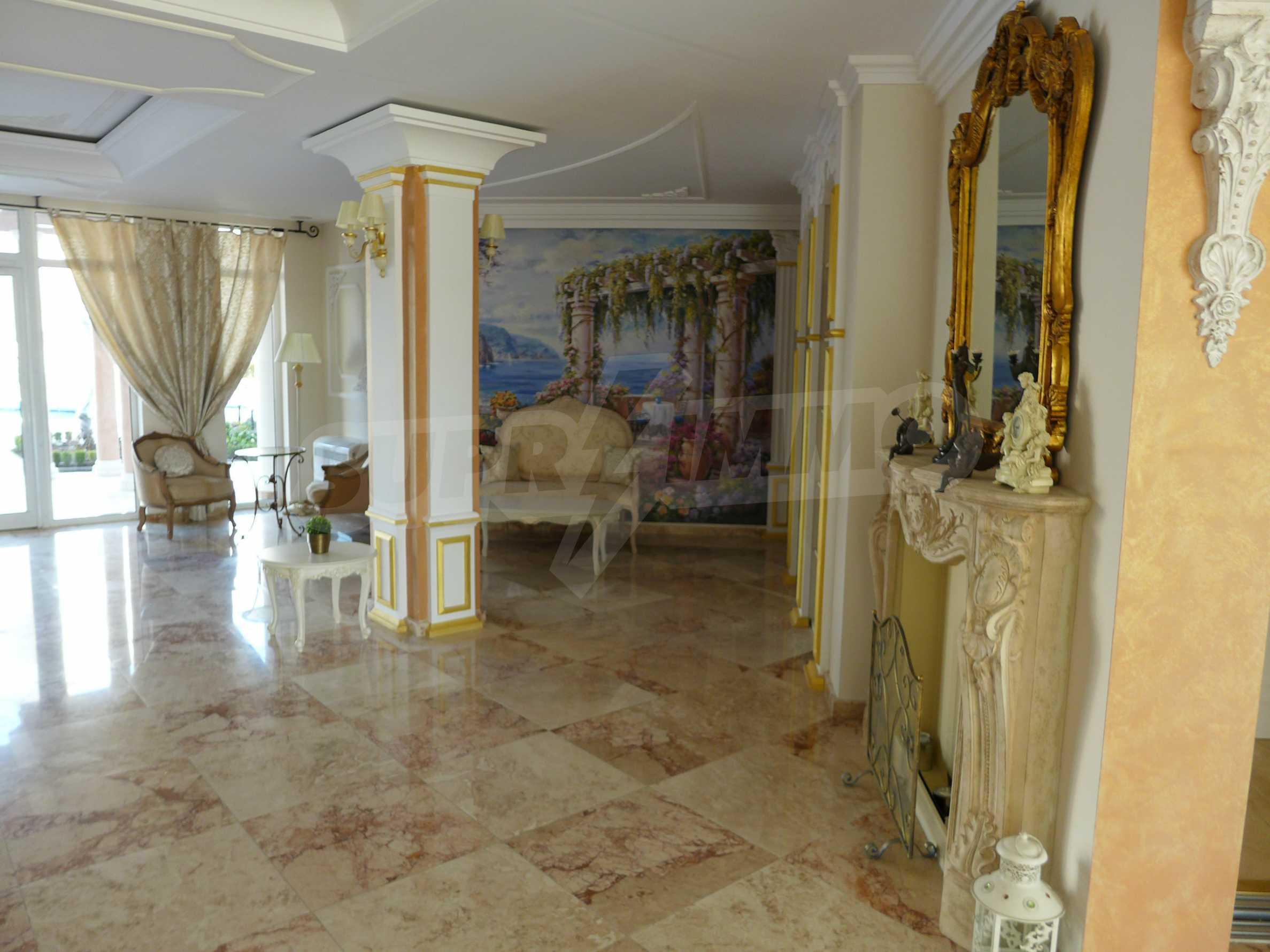 Dawn Park Izida Palace 12