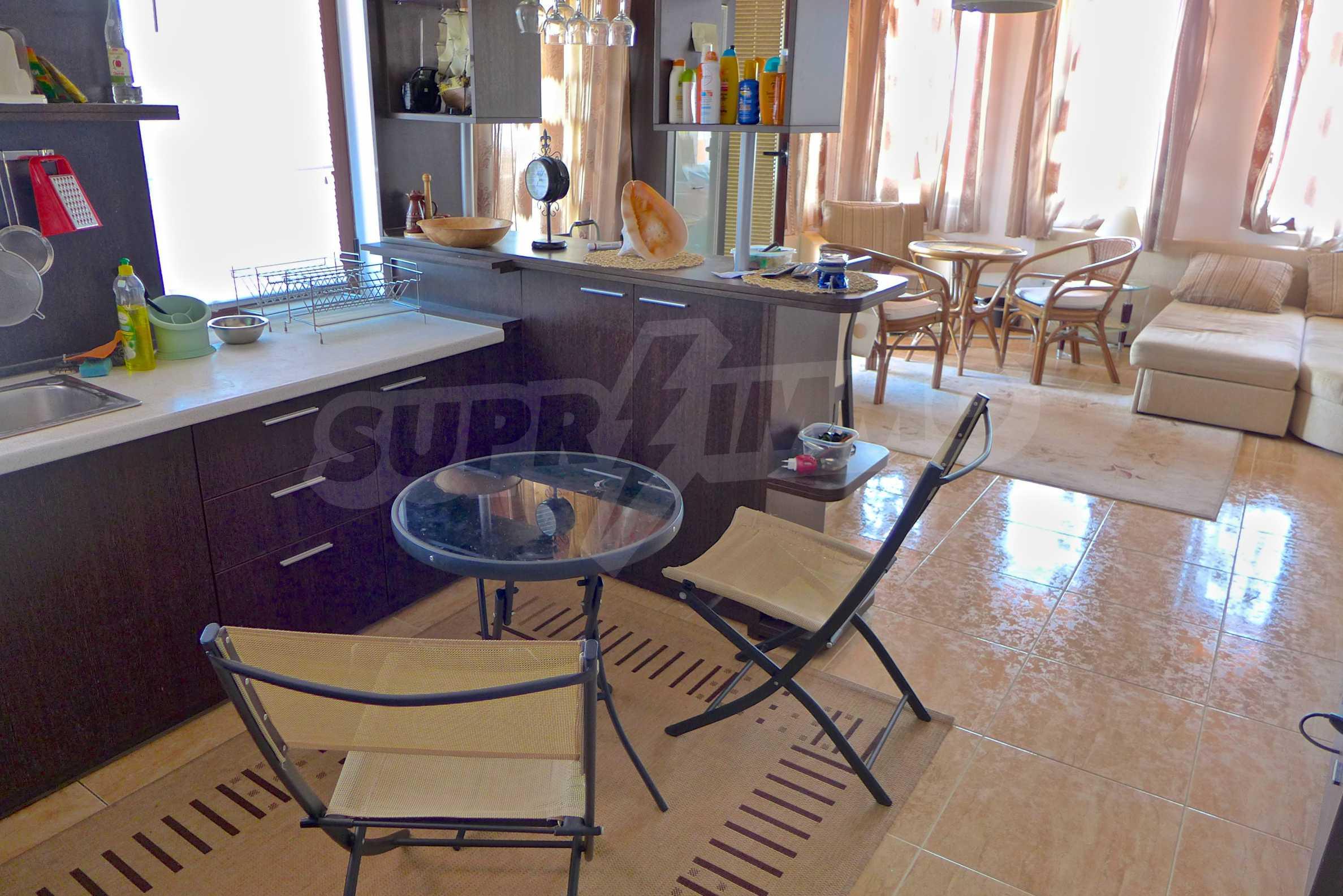 """Elegante Wohnung in einem Komplex am Strand in der Nähe von """"Marina Dinevi"""" 3"""