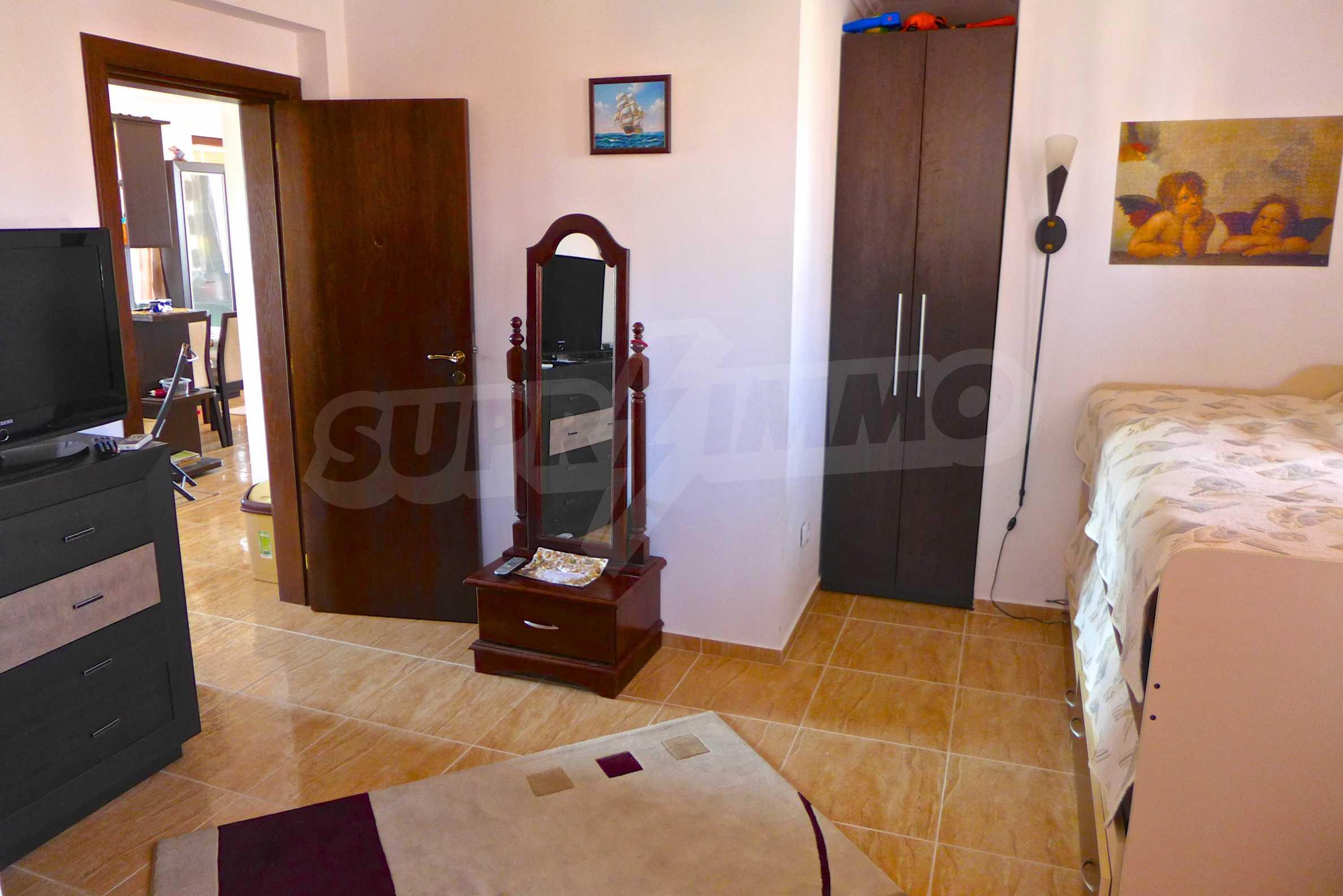 """Elegante Wohnung in einem Komplex am Strand in der Nähe von """"Marina Dinevi"""" 12"""