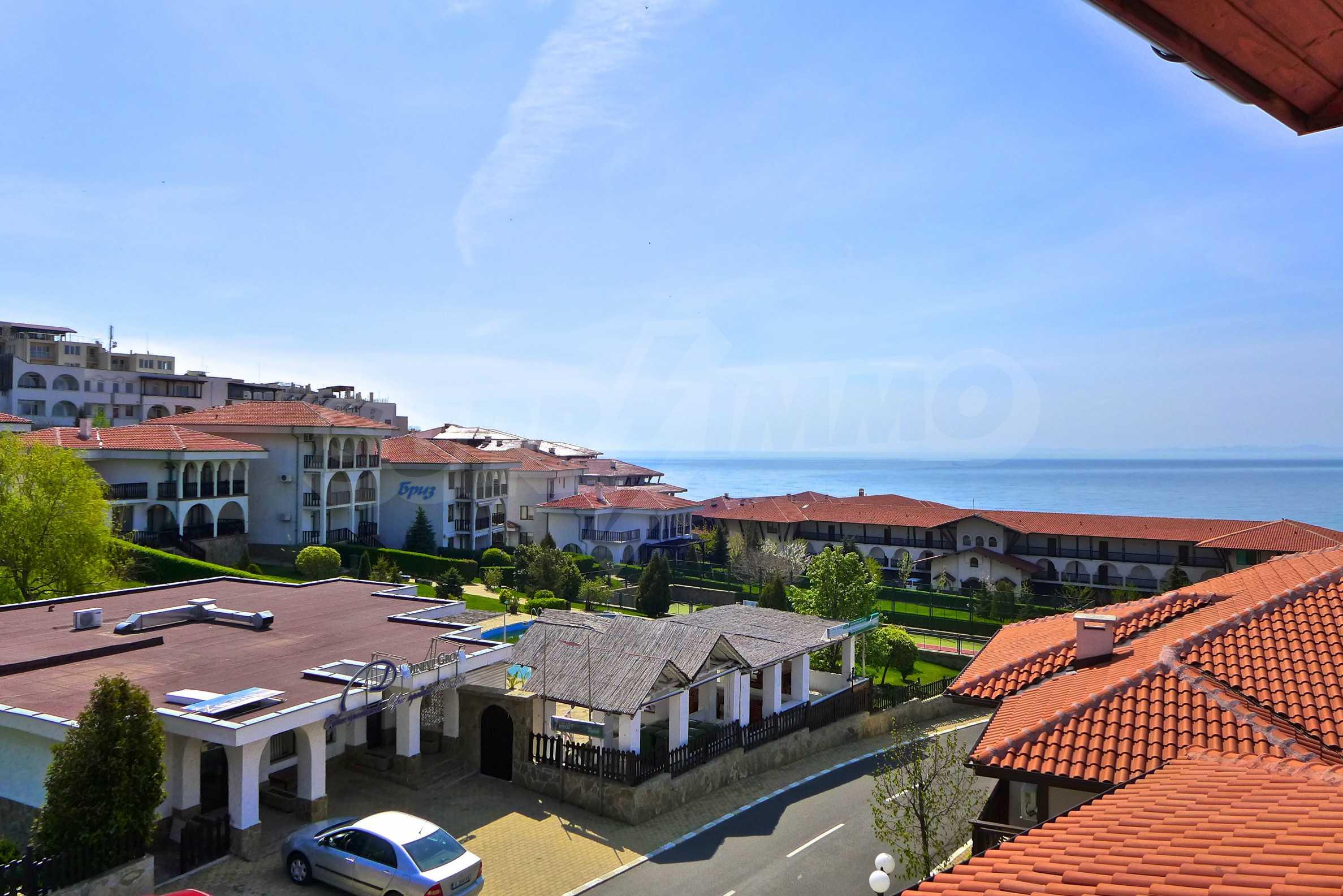 """Elegante Wohnung in einem Komplex am Strand in der Nähe von """"Marina Dinevi"""""""