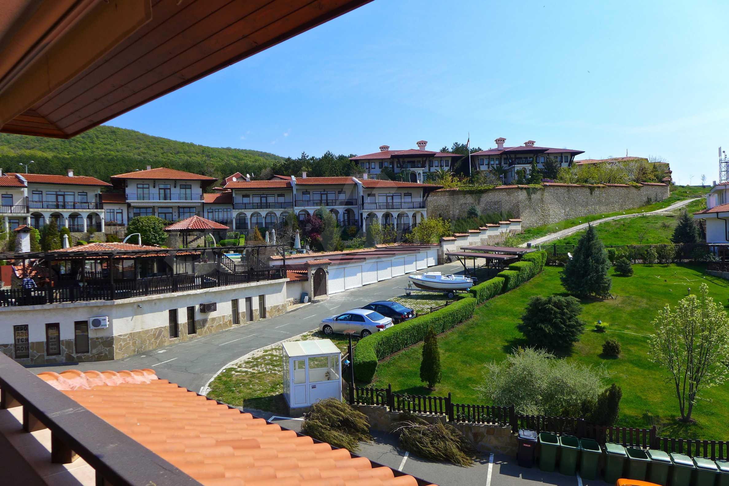 """Elegante Wohnung in einem Komplex am Strand in der Nähe von """"Marina Dinevi"""" 1"""