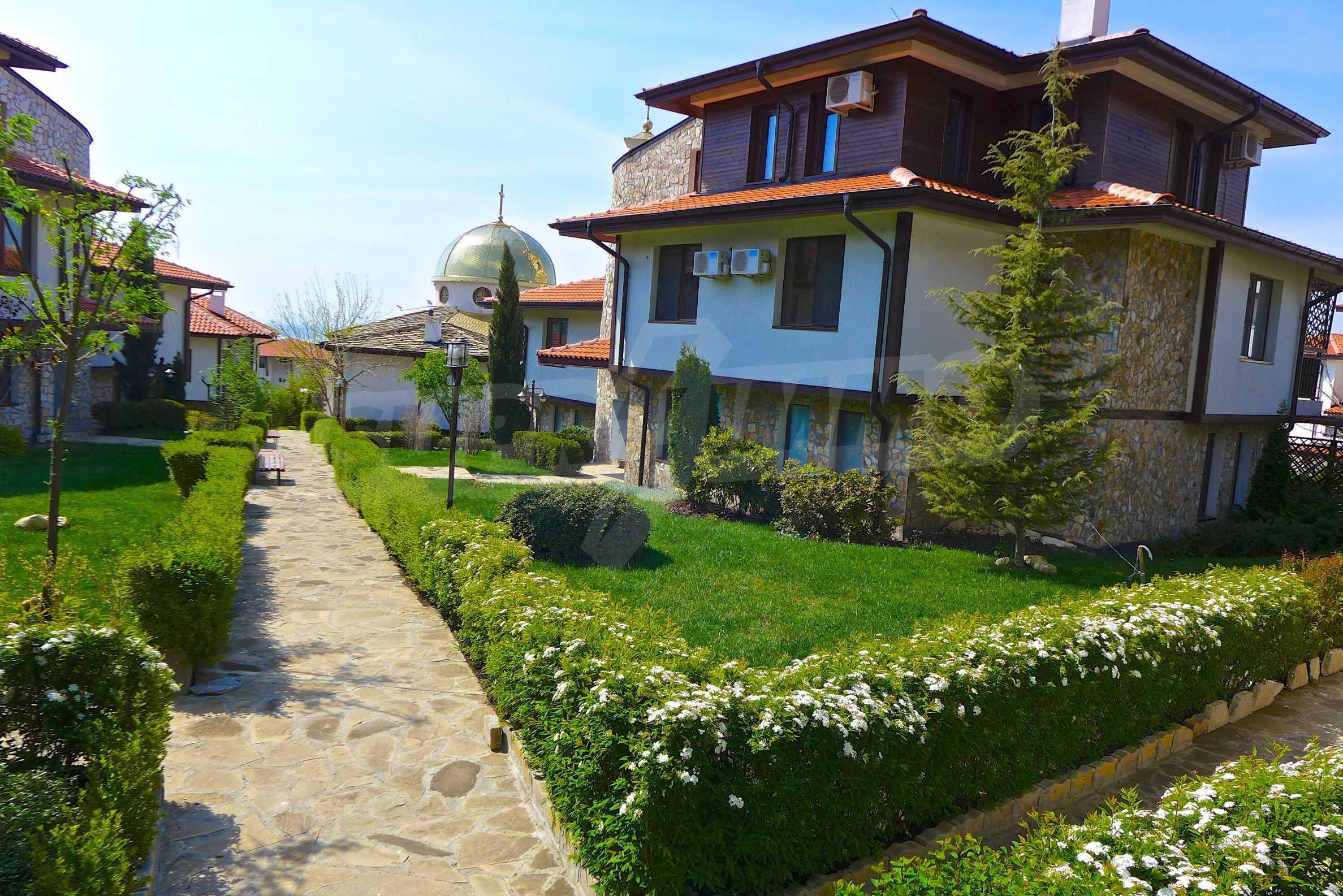 """Elegante Wohnung in einem Komplex am Strand in der Nähe von """"Marina Dinevi"""" 2"""