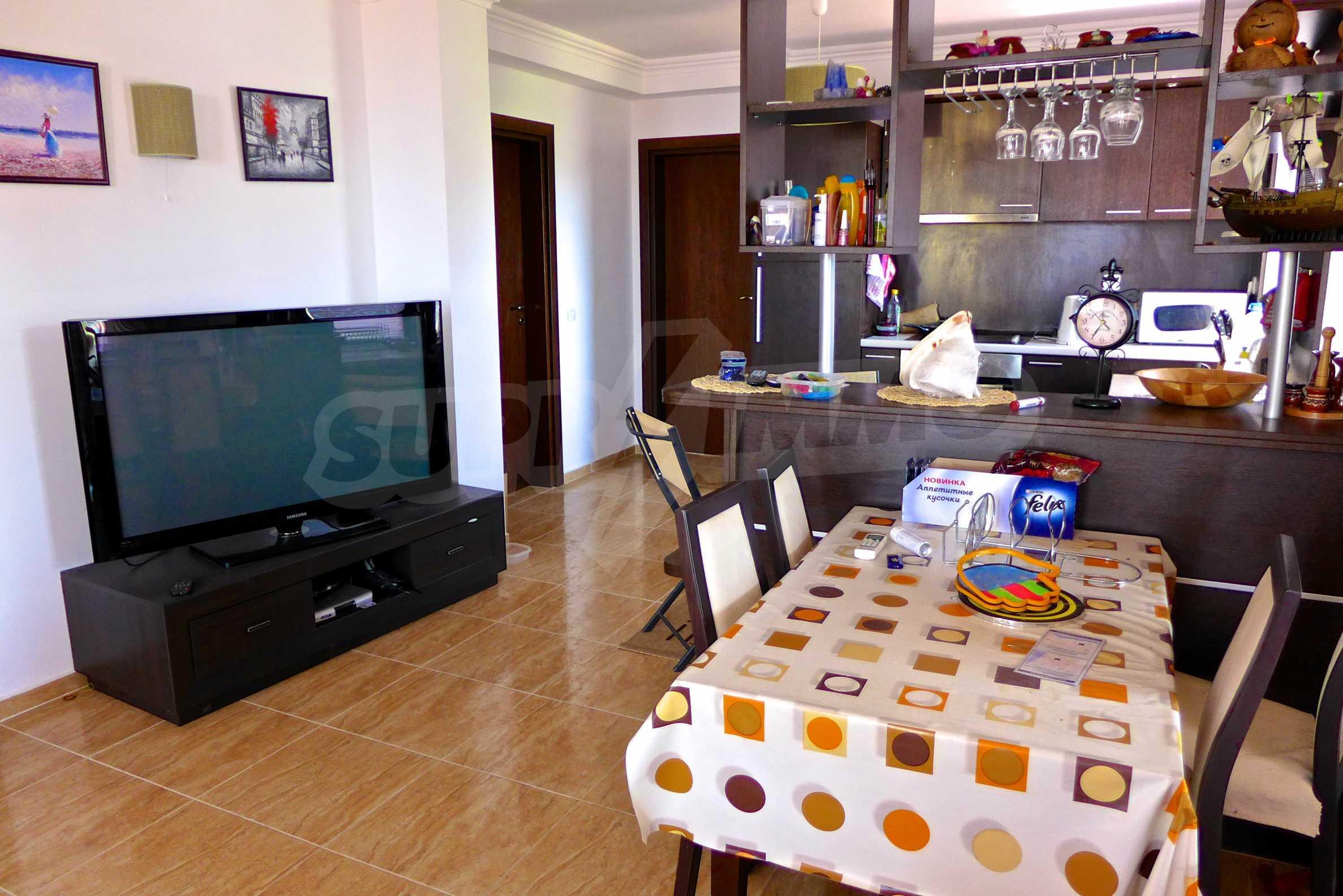 """Elegante Wohnung in einem Komplex am Strand in der Nähe von """"Marina Dinevi"""" 7"""