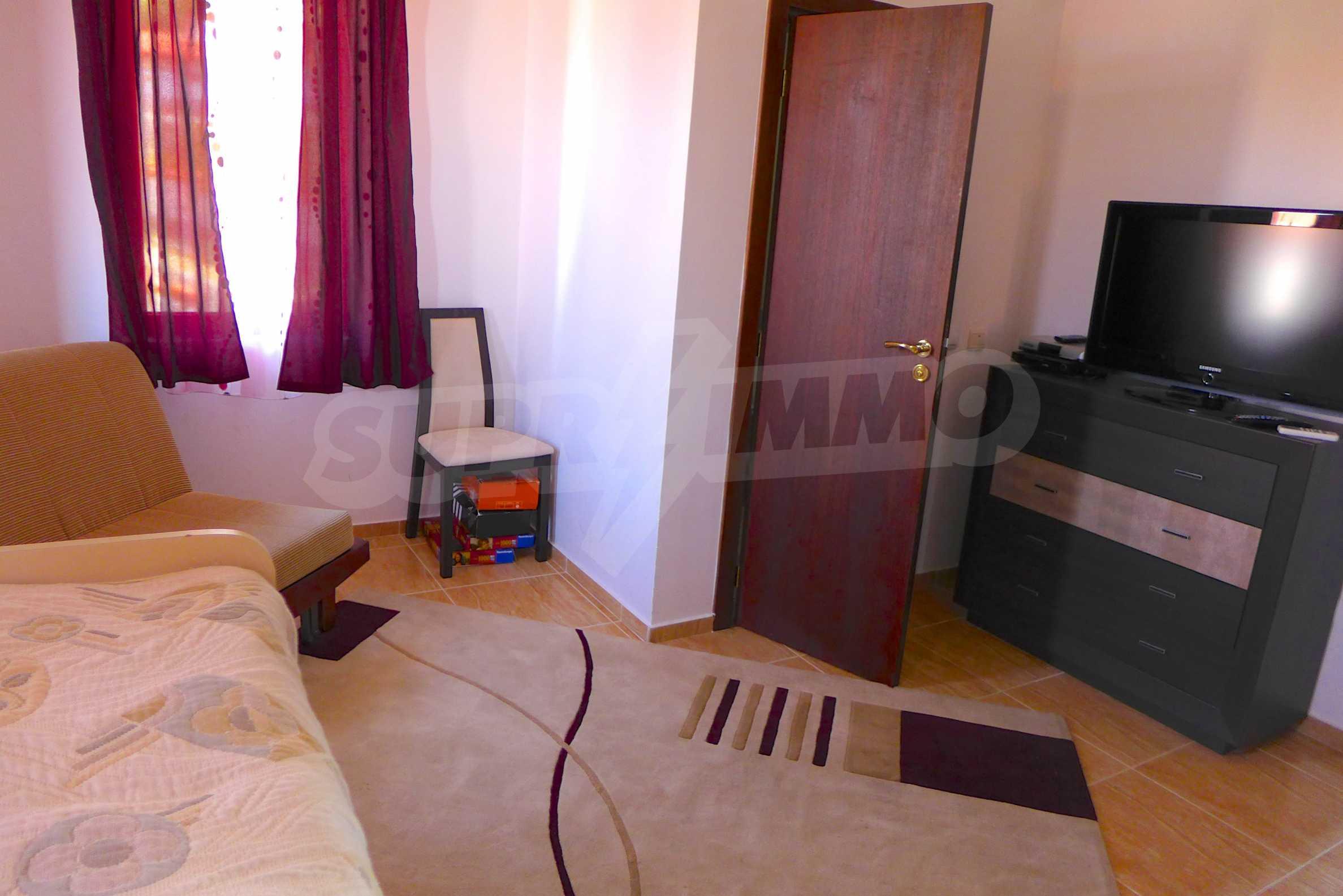 """Elegante Wohnung in einem Komplex am Strand in der Nähe von """"Marina Dinevi"""" 11"""