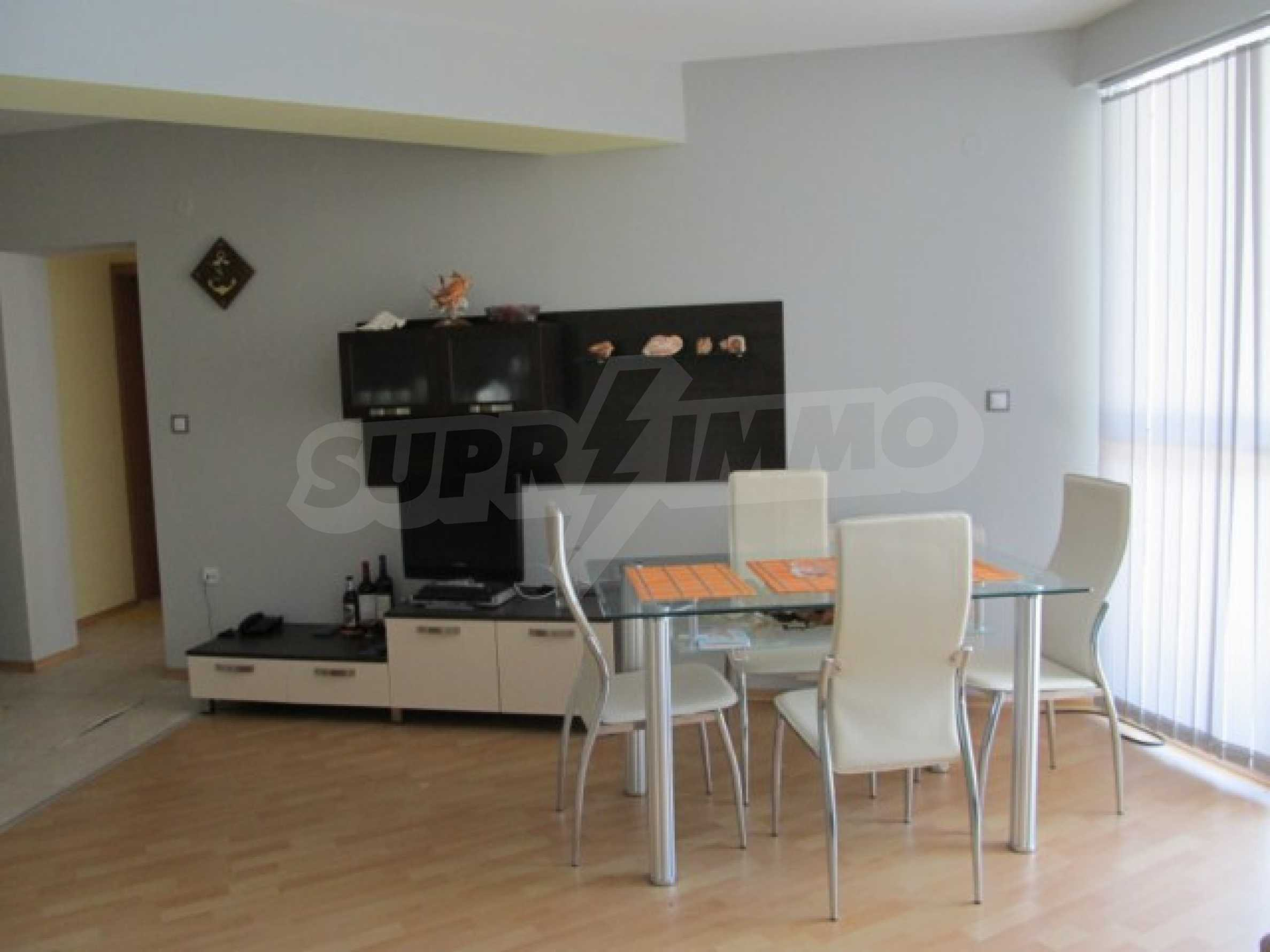 Тристаен апартамент за продажба в Поморие 10
