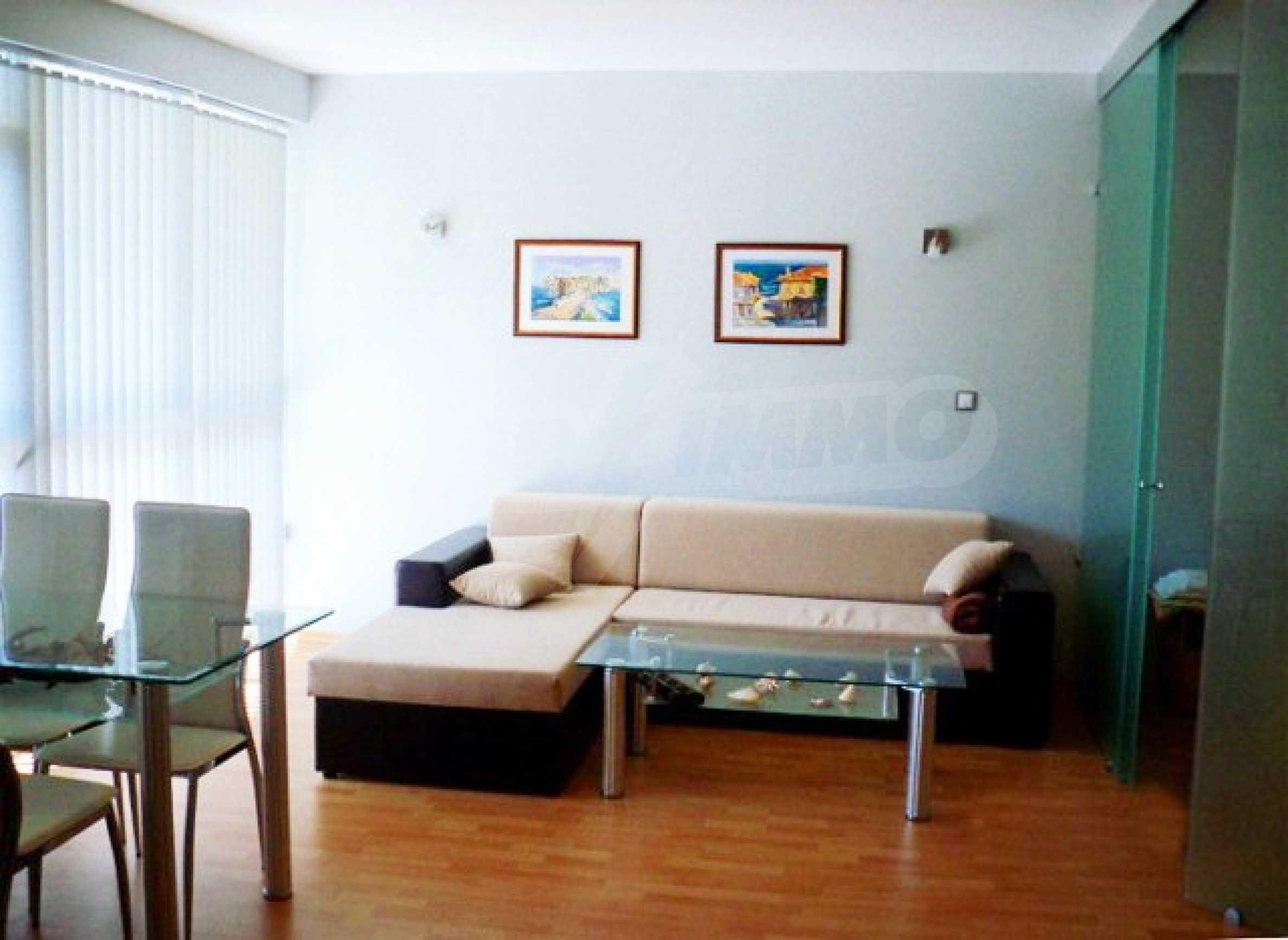 Тристаен апартамент за продажба в Поморие 11