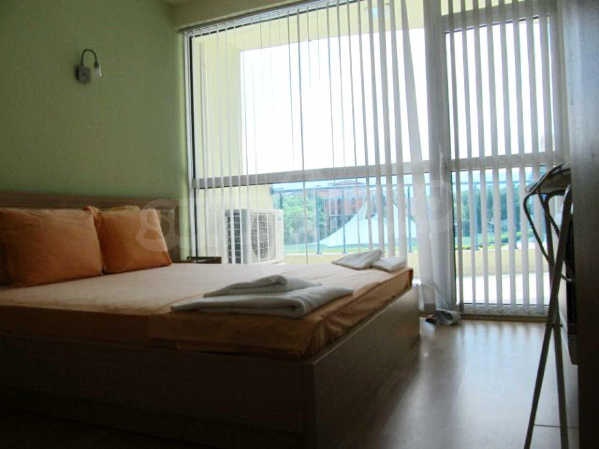 Тристаен апартамент за продажба в Поморие 12