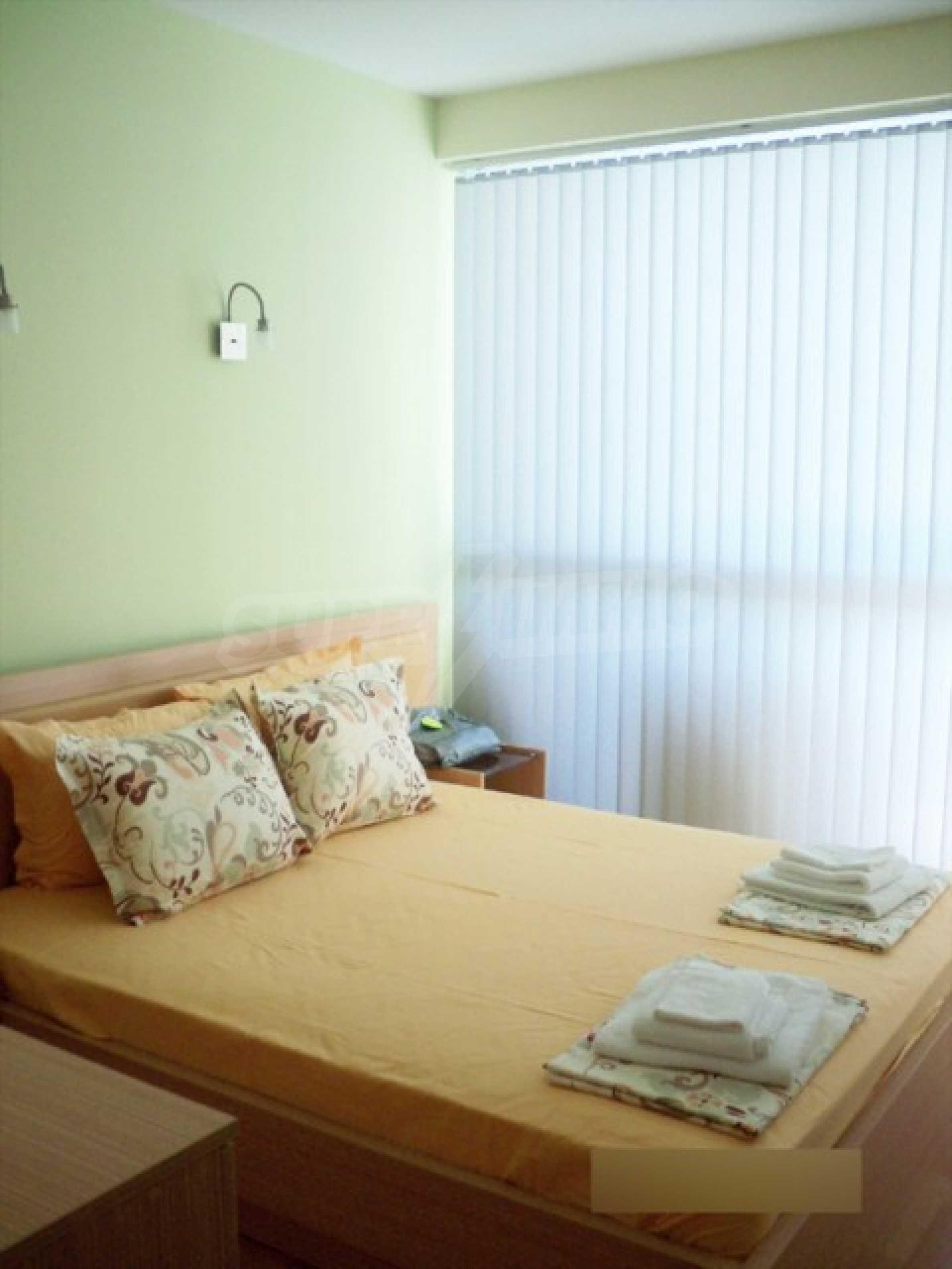 Тристаен апартамент за продажба в Поморие 14