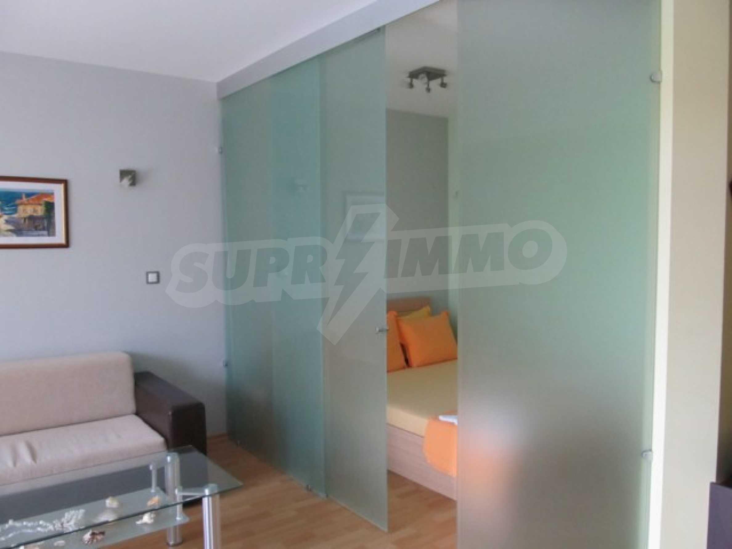 Тристаен апартамент за продажба в Поморие 16