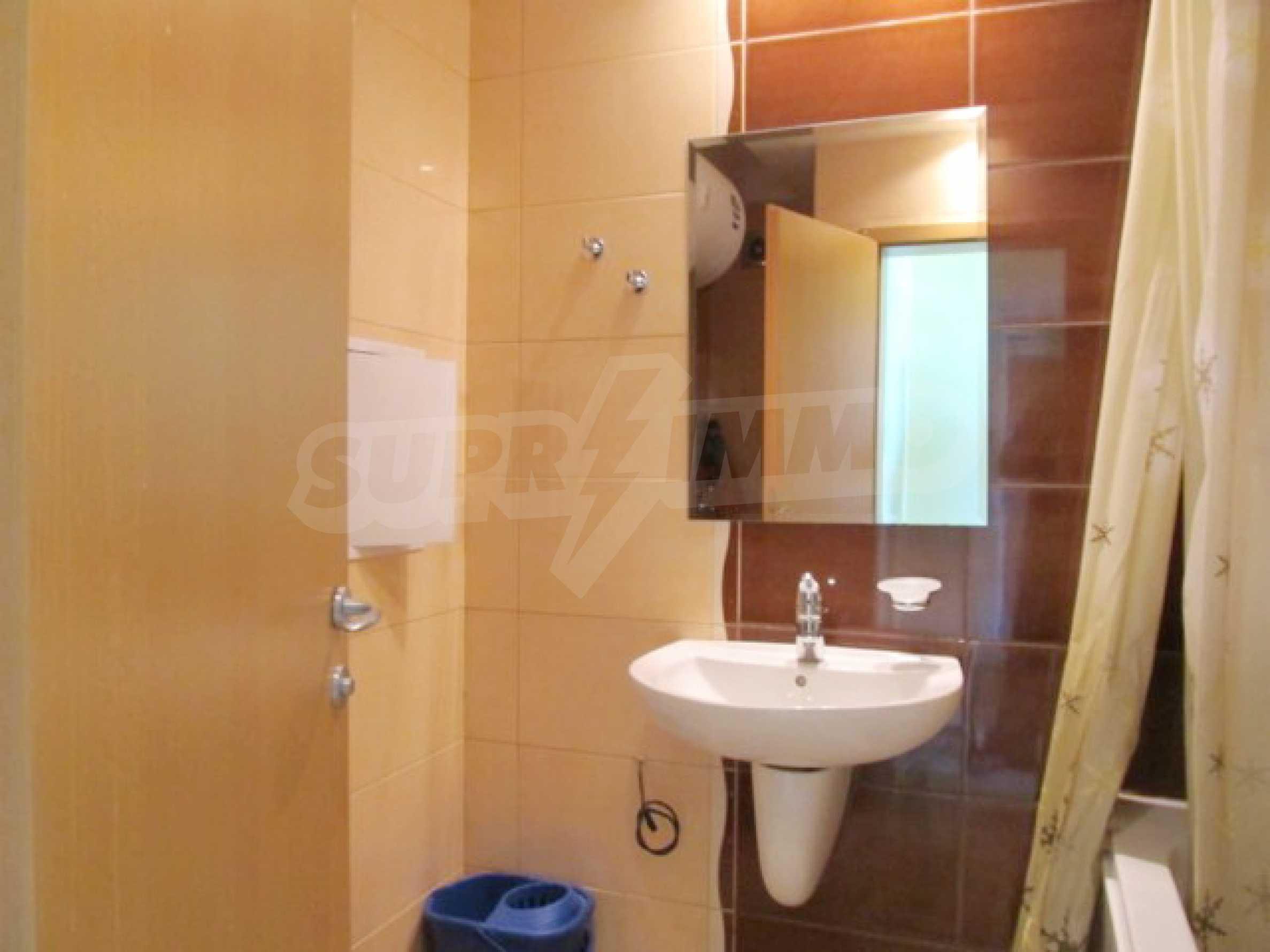 Тристаен апартамент за продажба в Поморие 20