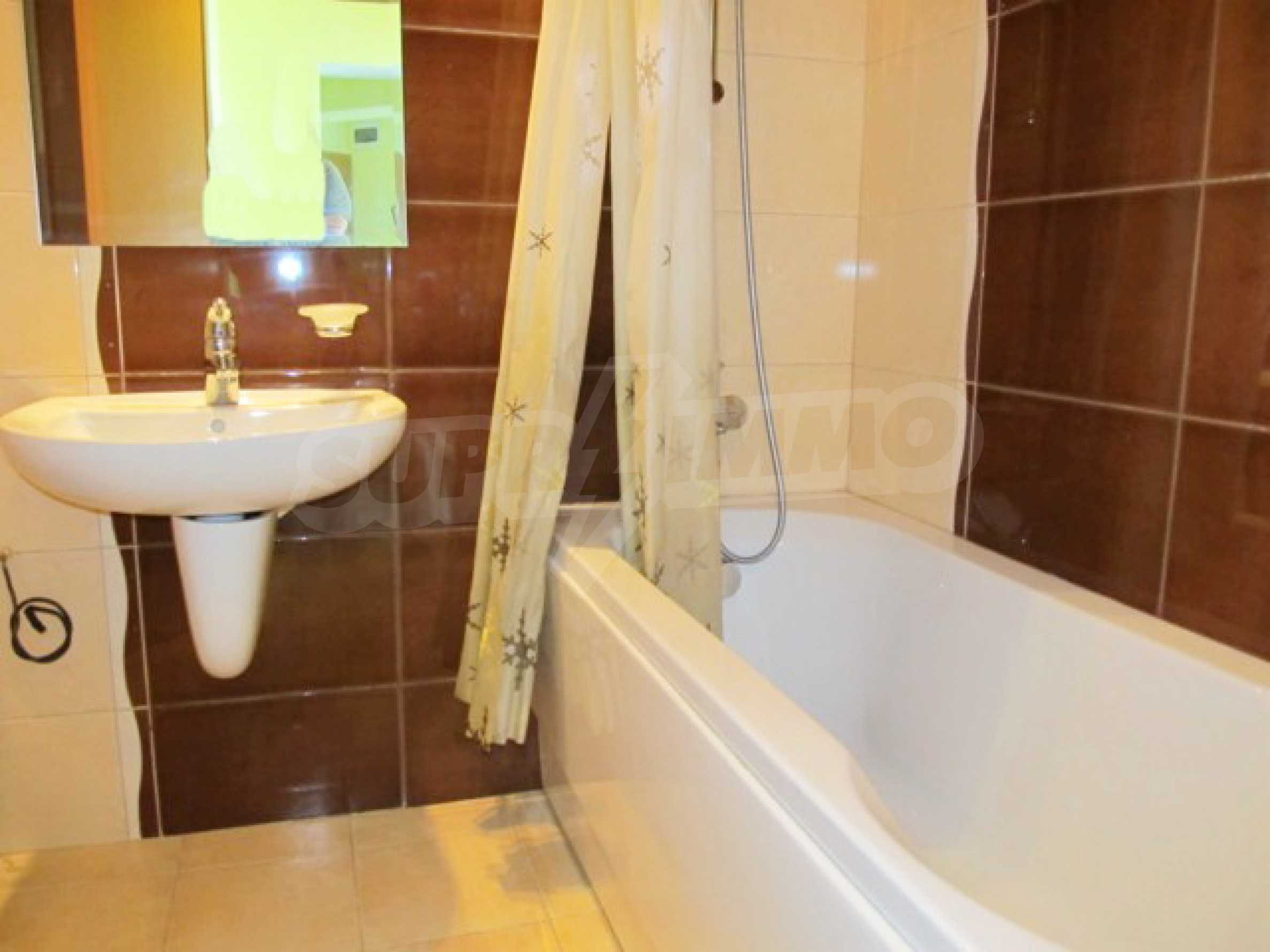 Тристаен апартамент за продажба в Поморие 21