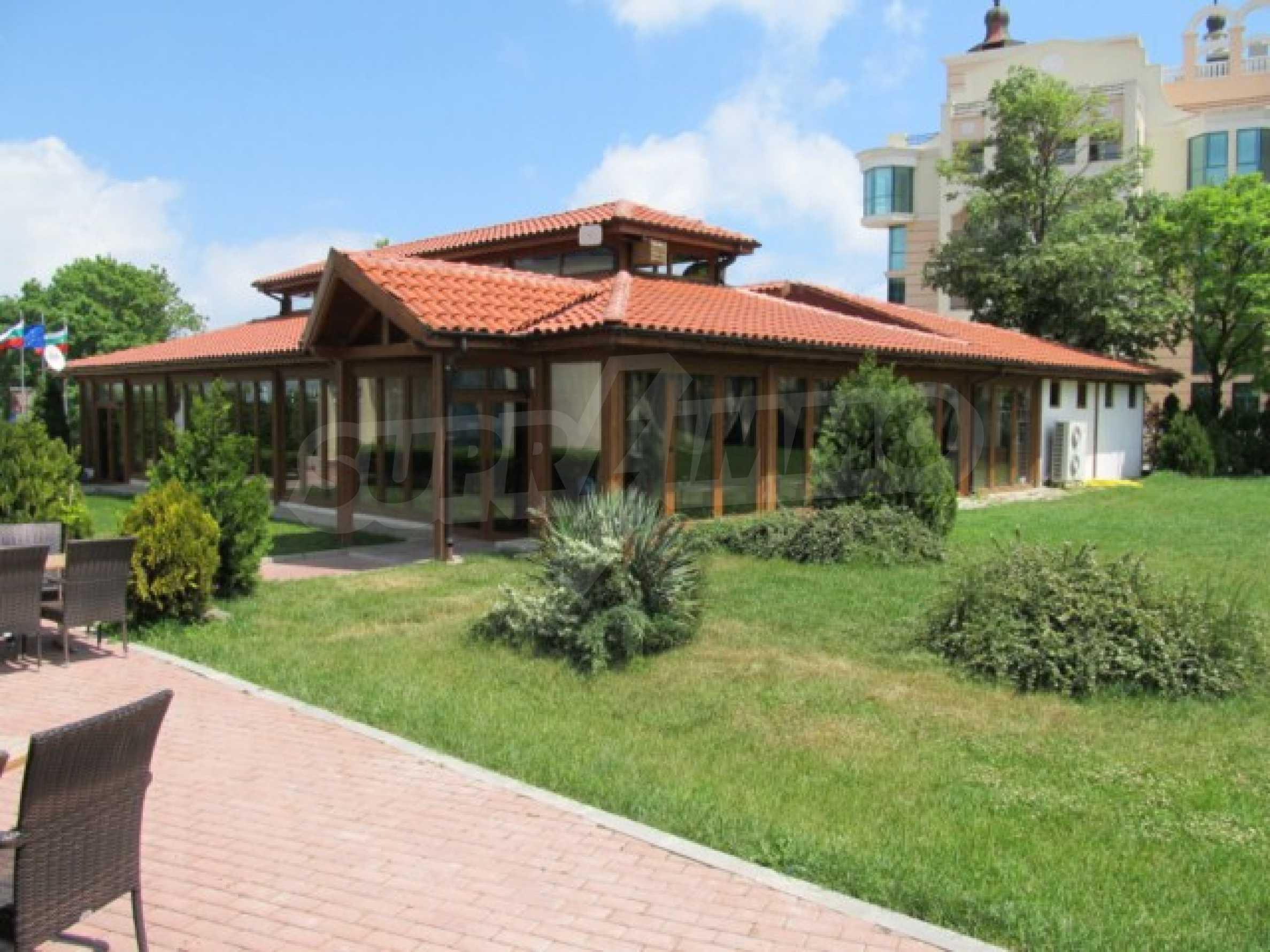 Тристаен апартамент за продажба в Поморие 26