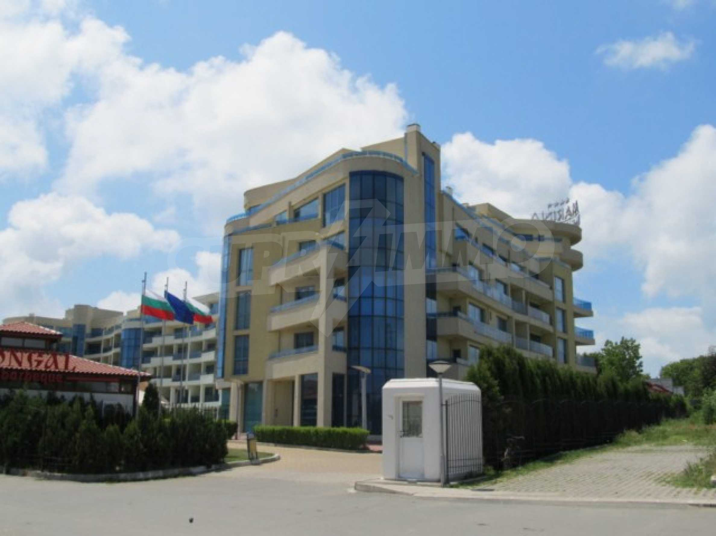 Тристаен апартамент за продажба в Поморие 2